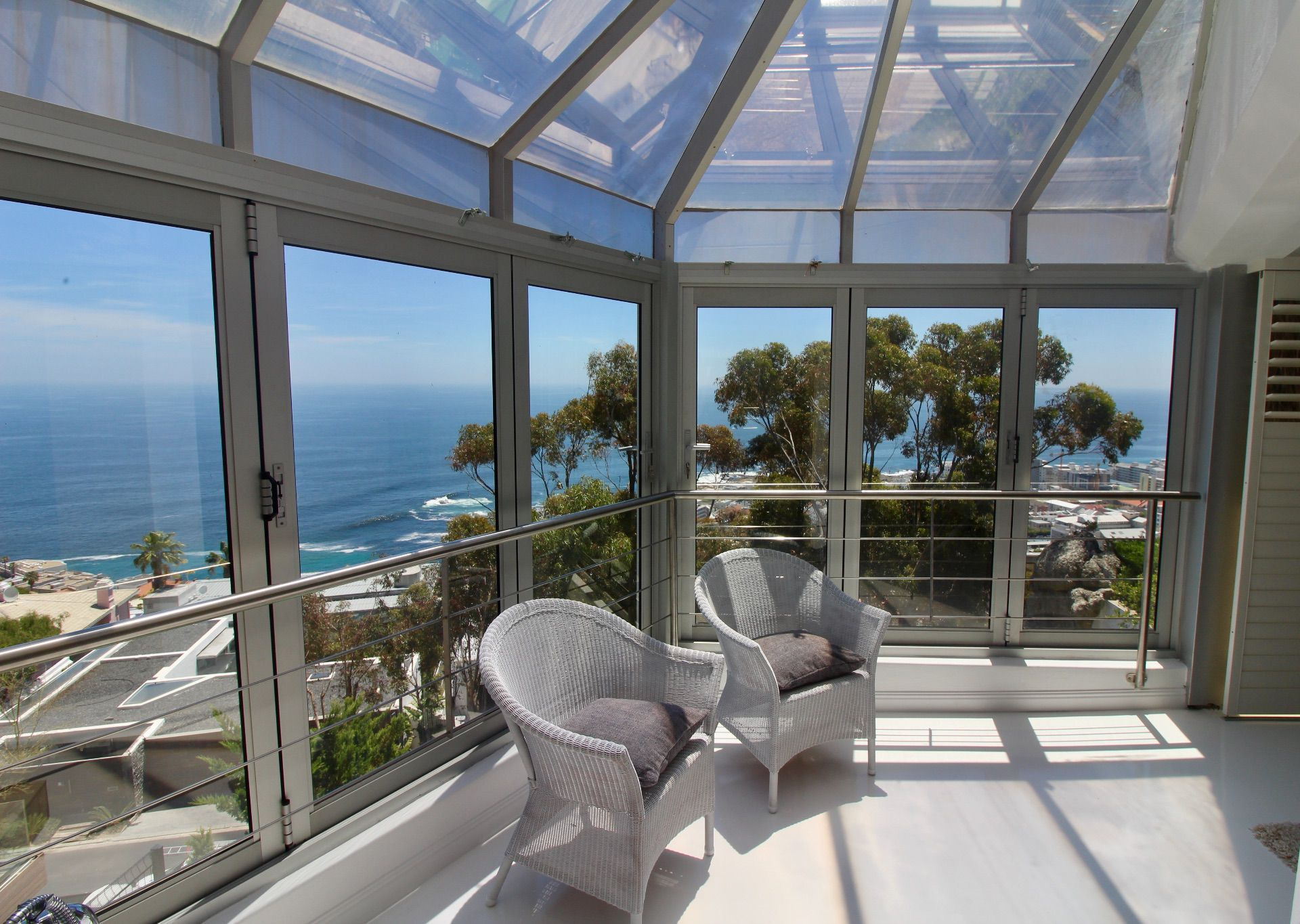 Bantry Bay property to rent. Ref No: 13561280. Picture no 2