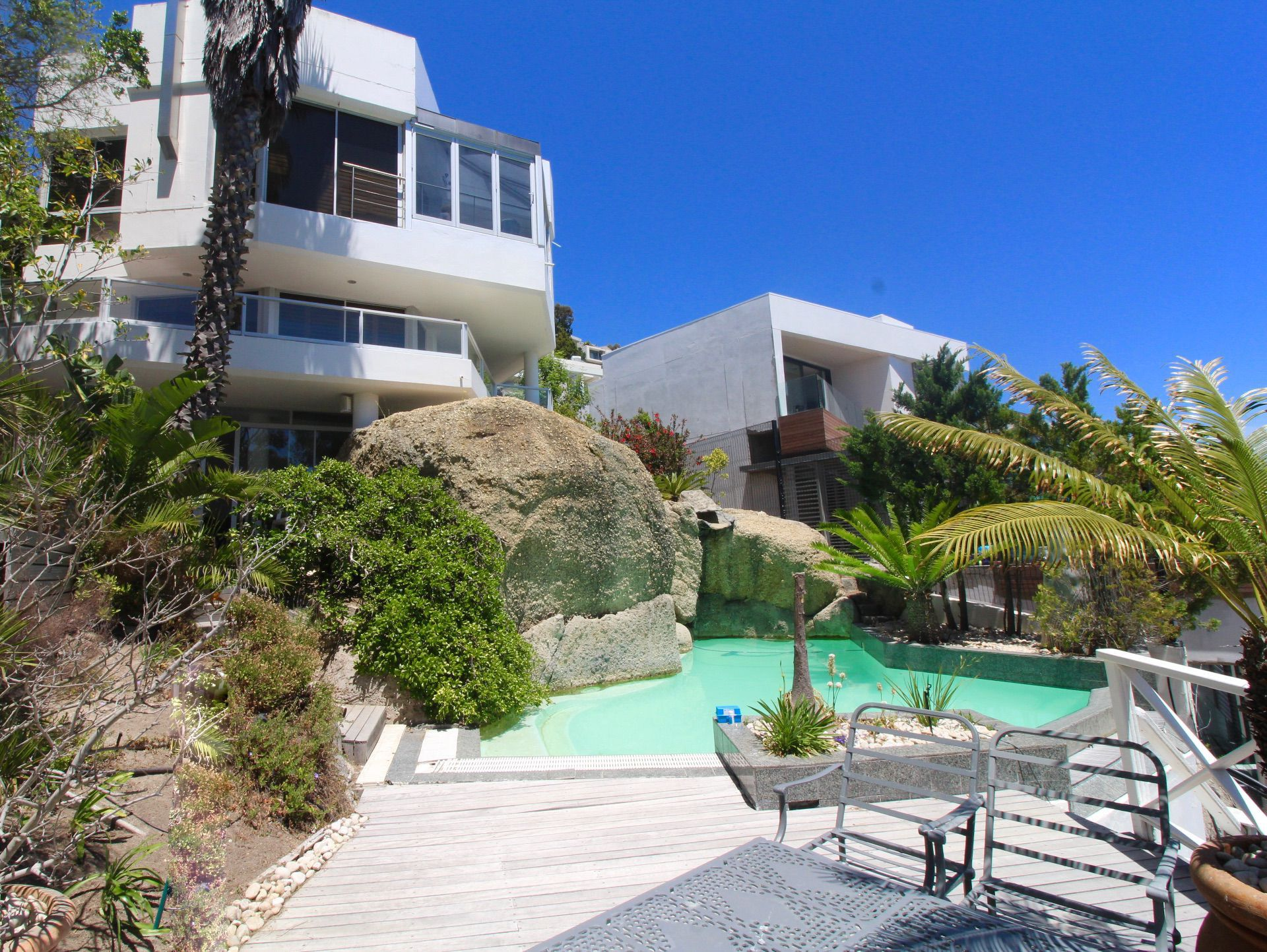 Bantry Bay property to rent. Ref No: 13561280. Picture no 1