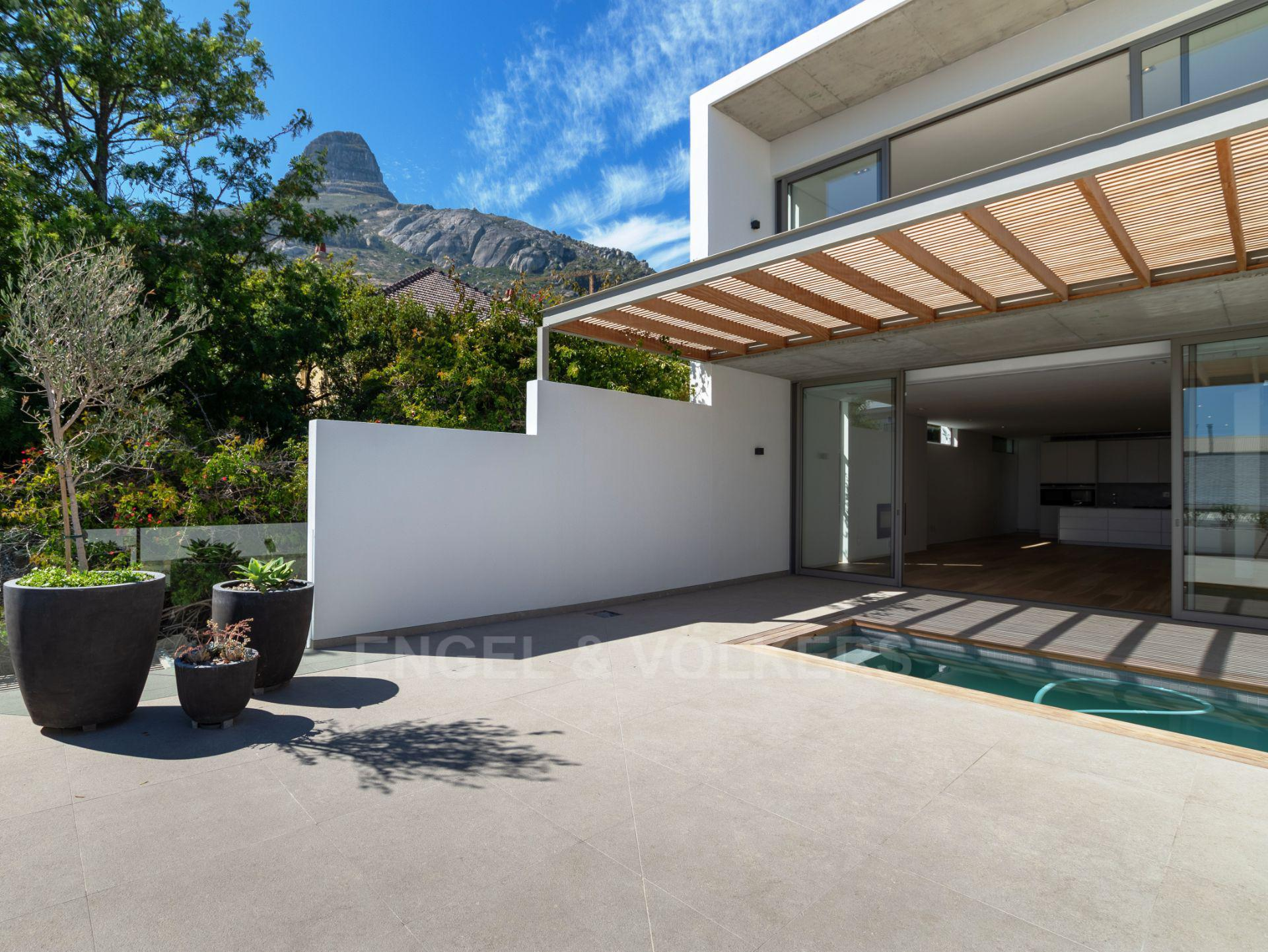 Cape Town, Fresnaye Property  | Houses For Sale Fresnaye, FRESNAYE, Townhouse 3 bedrooms property for sale Price:24,950,000