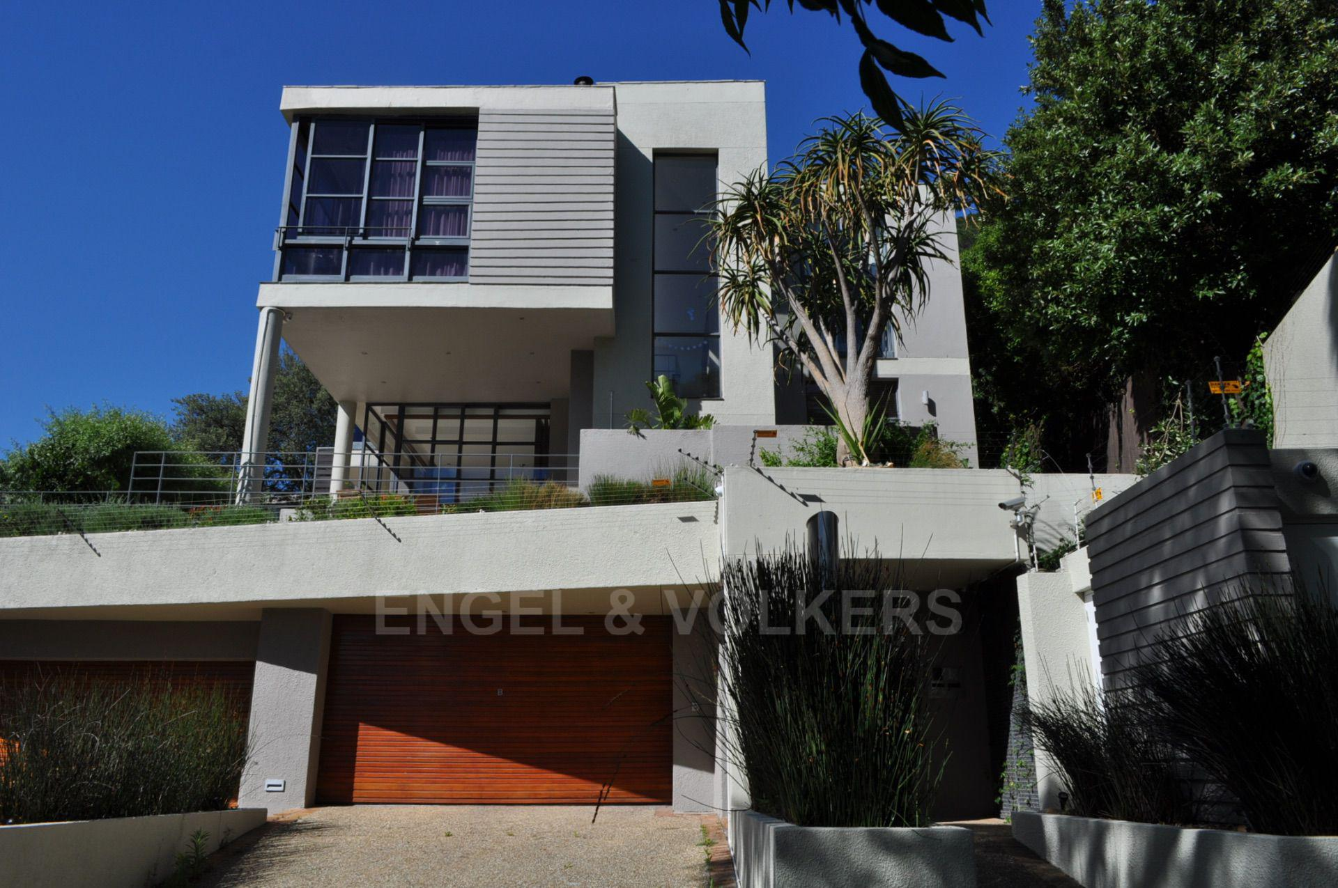 Cape Town, Higgovale Property  | Houses To Rent Higgovale, HIGGOVALE, Duplex 4 bedrooms property to rent Price:, 68,00*
