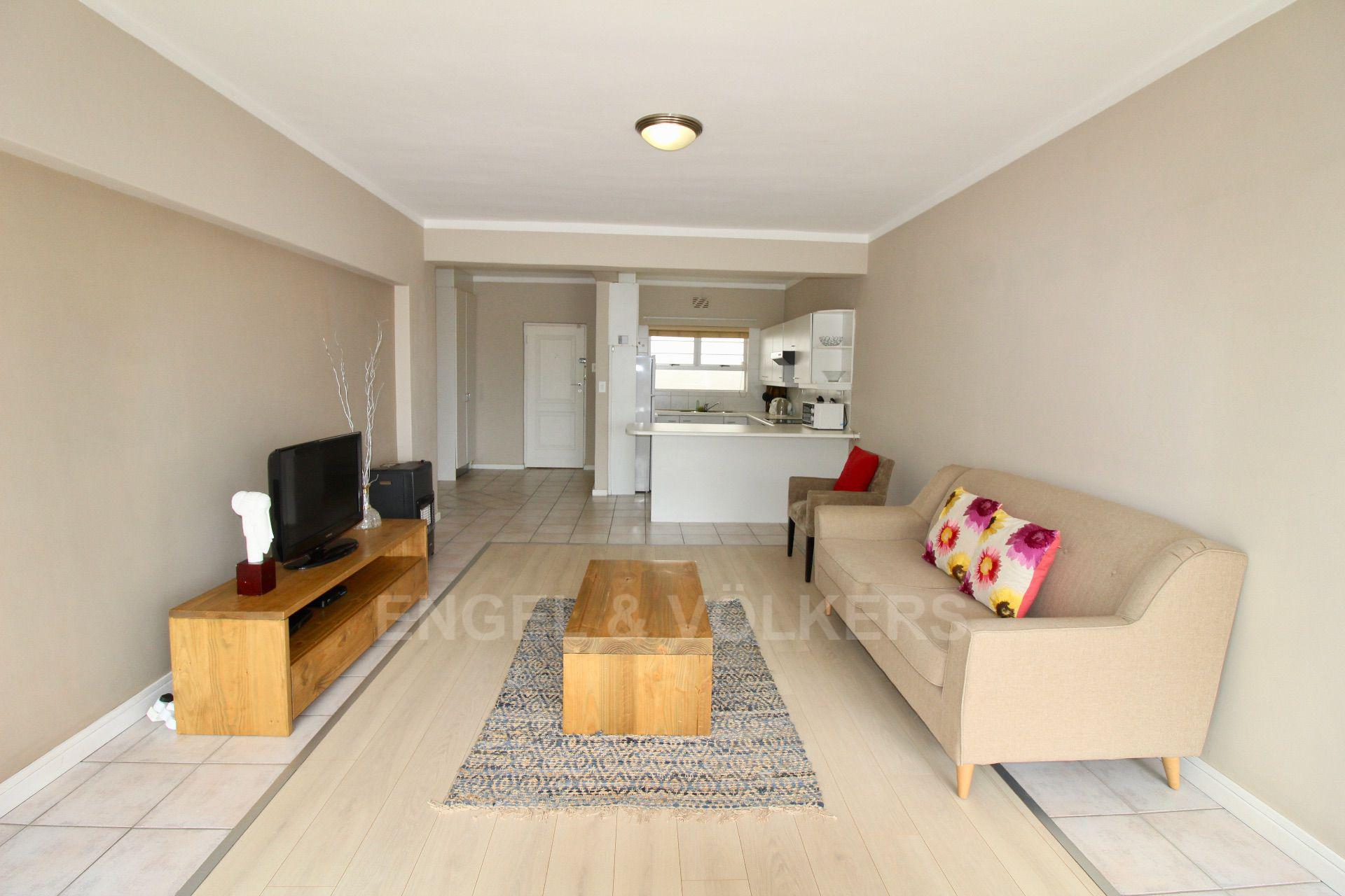 Sea Point property for sale. Ref No: 13597869. Picture no 2