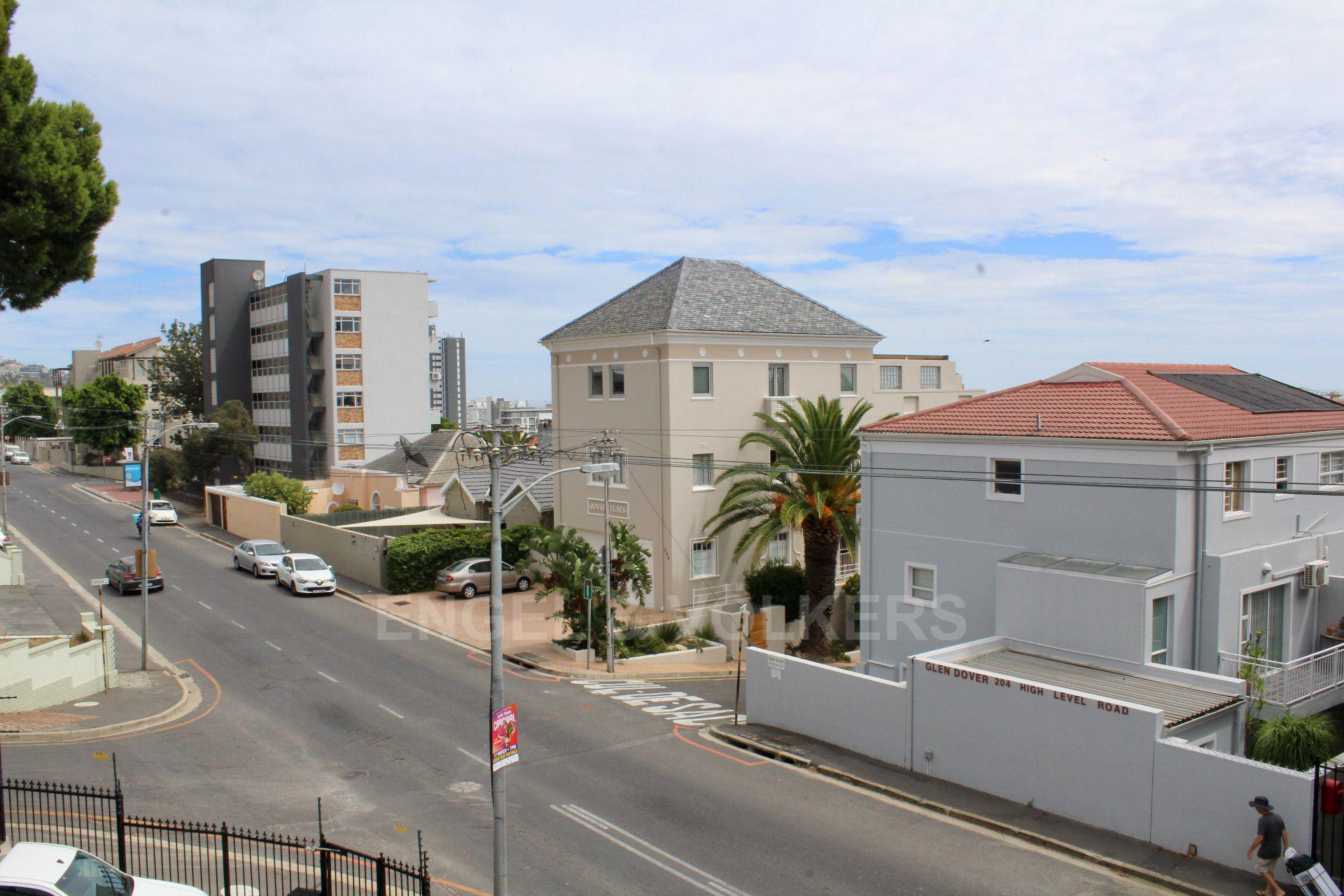 Sea Point property for sale. Ref No: 13597869. Picture no 12