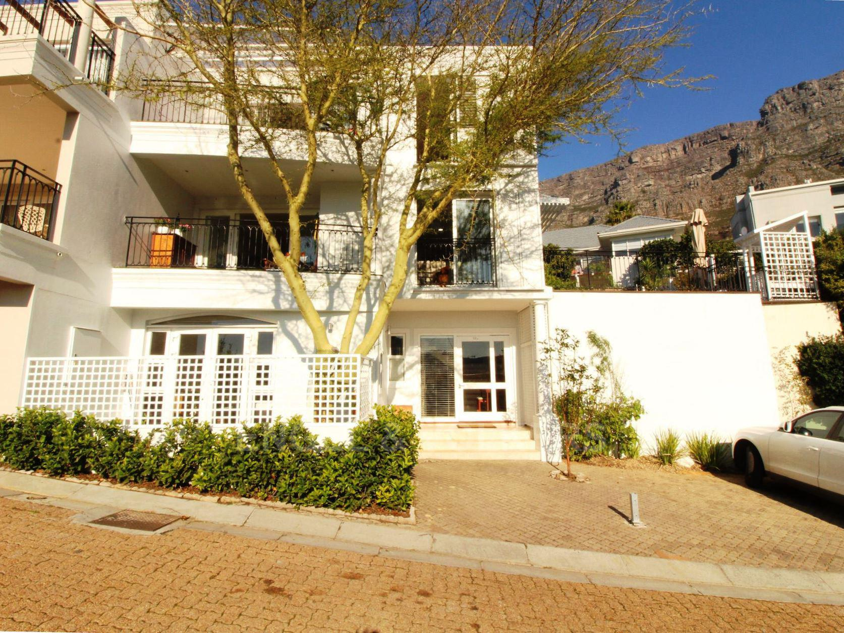 Property and Houses for sale in Oranjezicht, House, 3 Bedrooms - ZAR 14,250,000