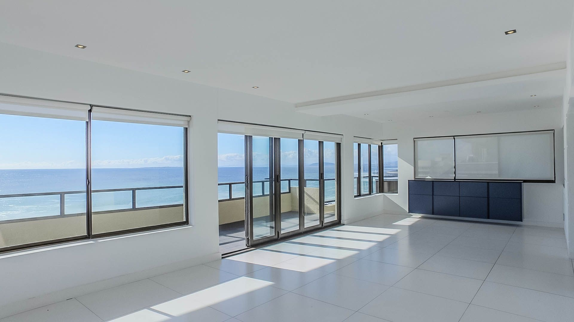 Cape Town, Sea Point Property  | Houses For Sale Sea Point, SEA POINT, Apartment 3 bedrooms property for sale Price:17,000,000