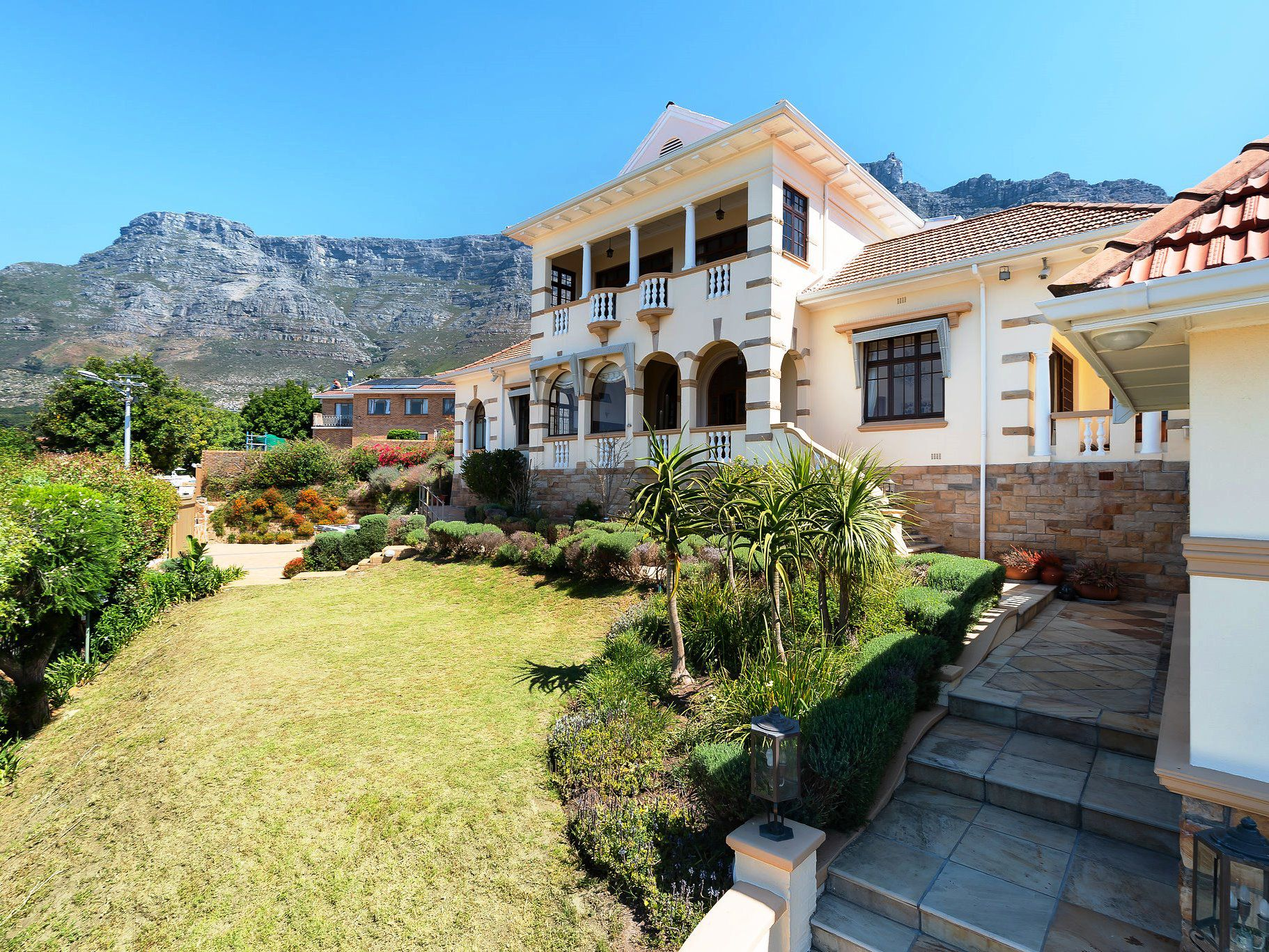 Property and Houses for sale in Oranjezicht, House, 9 Bedrooms - ZAR 29,750,000