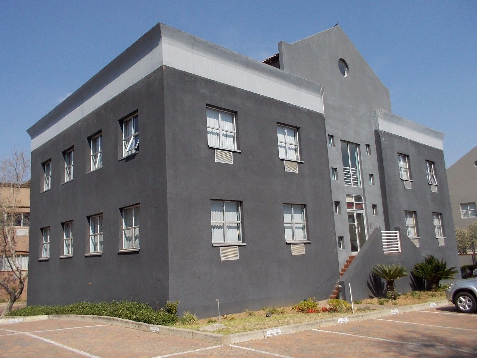 Sunninghill property for sale. Ref No: 13375194. Picture no 2