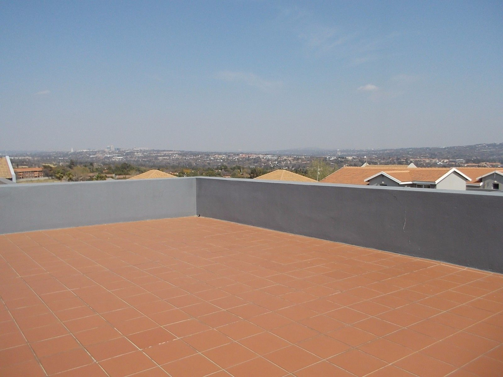 Sunninghill property for sale. Ref No: 13375194. Picture no 9