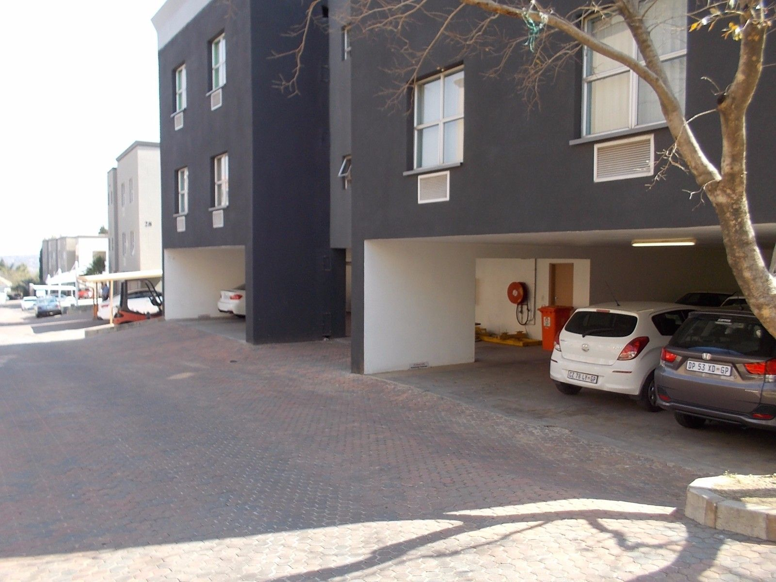Sunninghill property for sale. Ref No: 13375194. Picture no 10