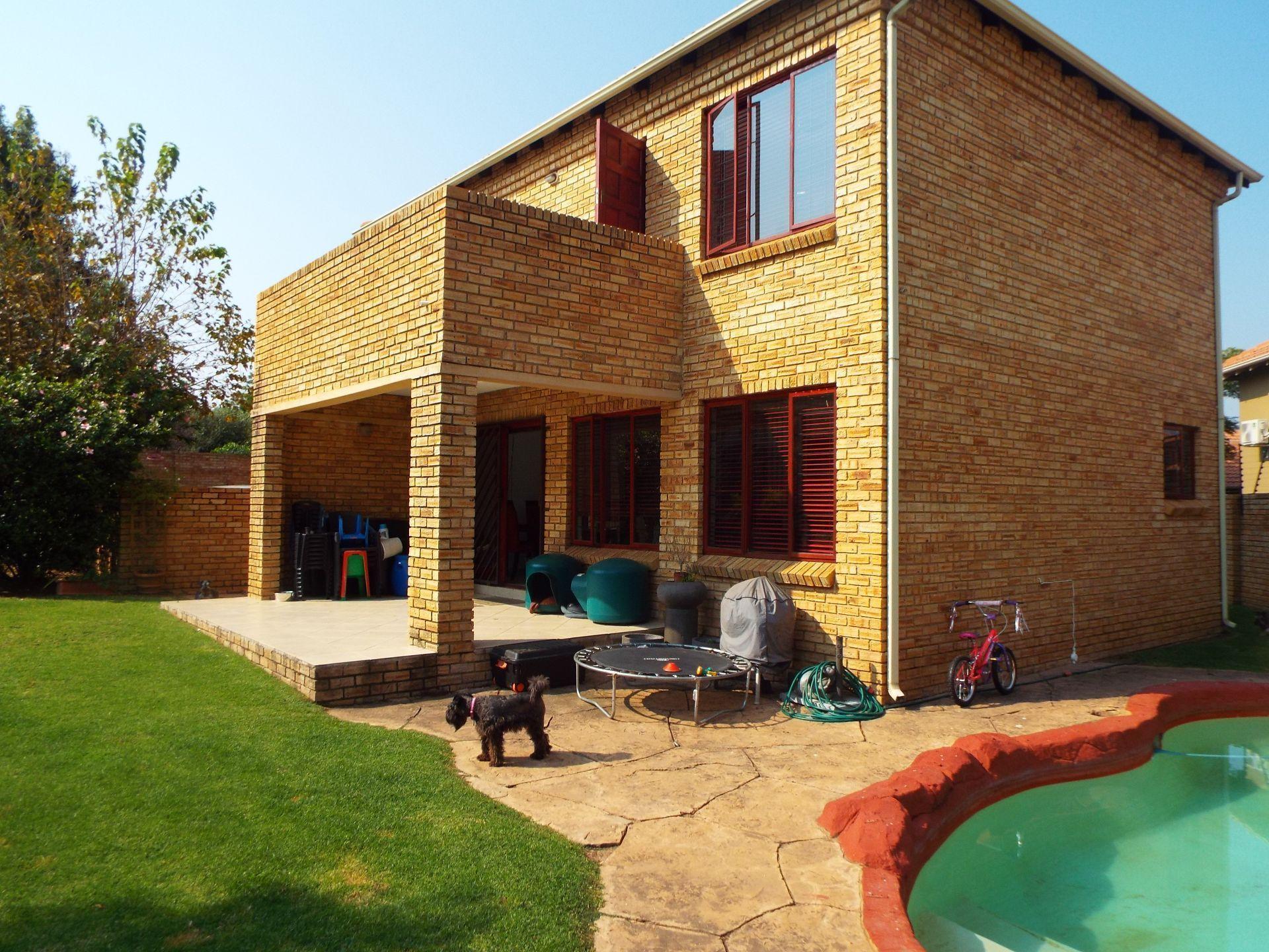 Sandton, Craigavon Property  | Houses To Rent Craigavon, CRAIGAVON, Cluster 3 bedrooms property to rent Price:, 22,00*
