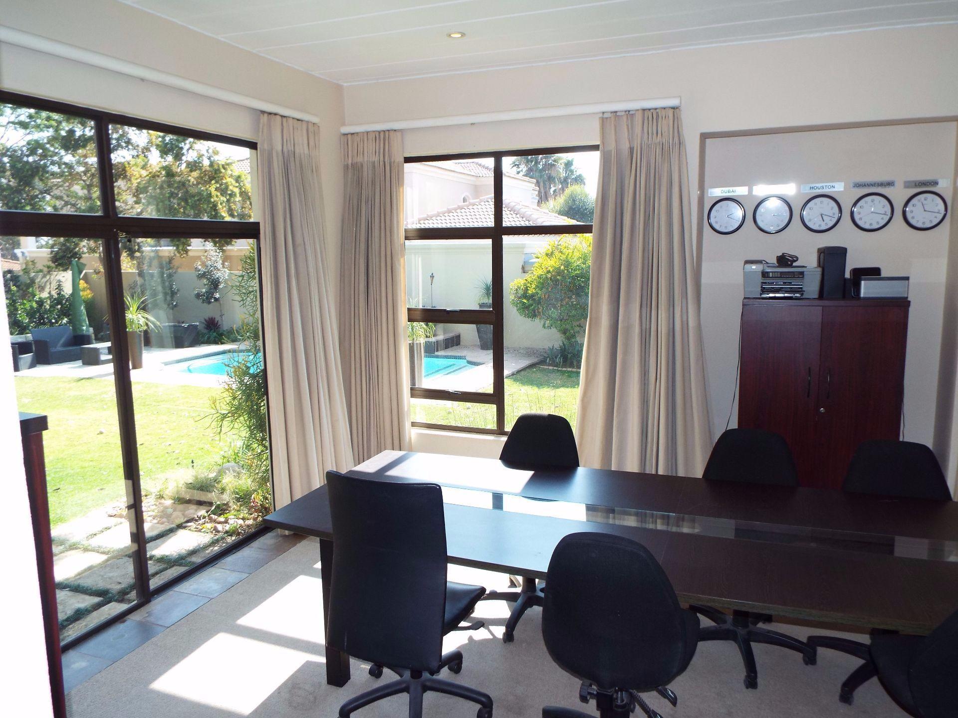 Douglasdale property to rent. Ref No: 13509526. Picture no 4