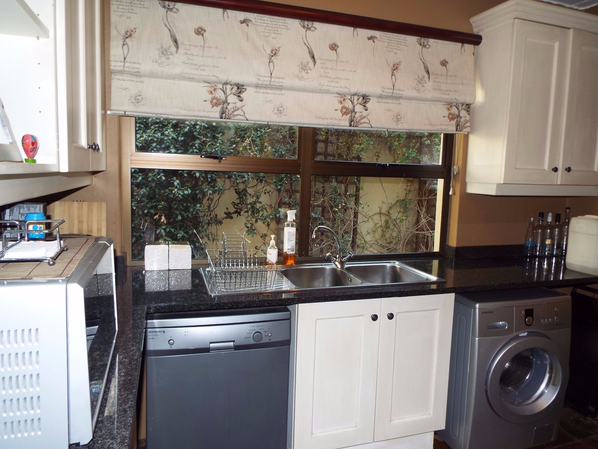 Douglasdale property to rent. Ref No: 13509526. Picture no 2