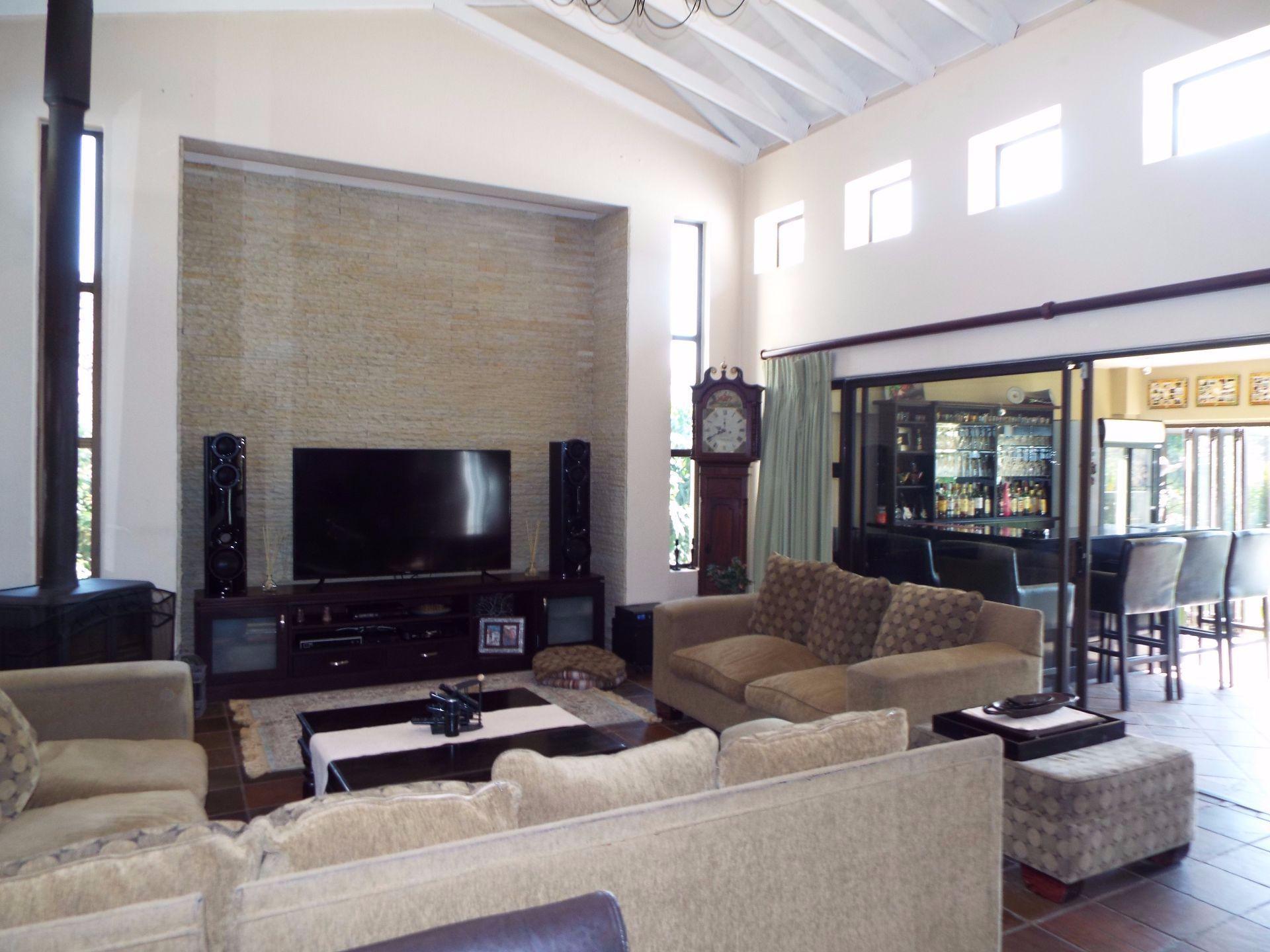 Douglasdale property to rent. Ref No: 13509526. Picture no 7