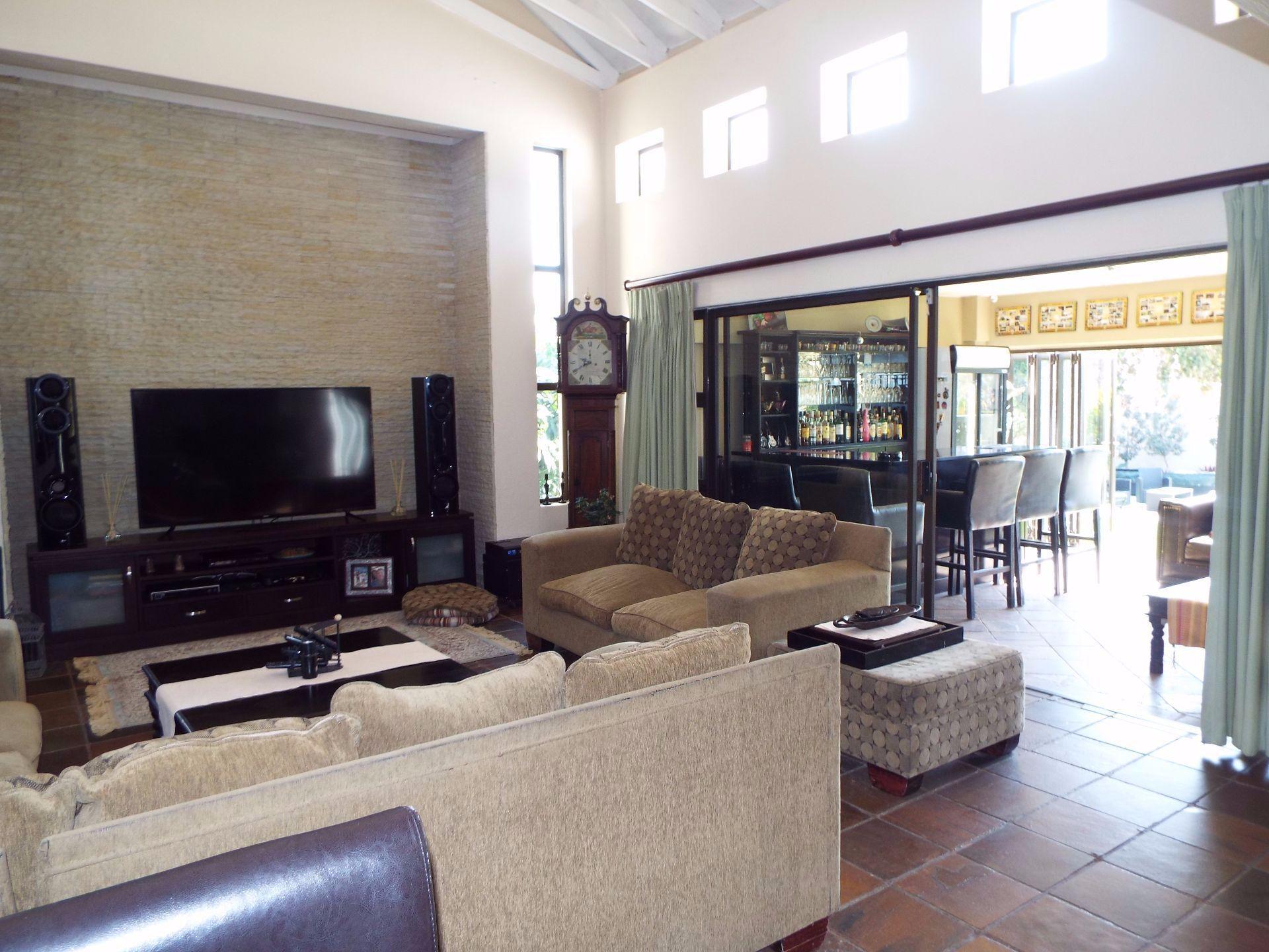 Douglasdale property to rent. Ref No: 13509526. Picture no 8