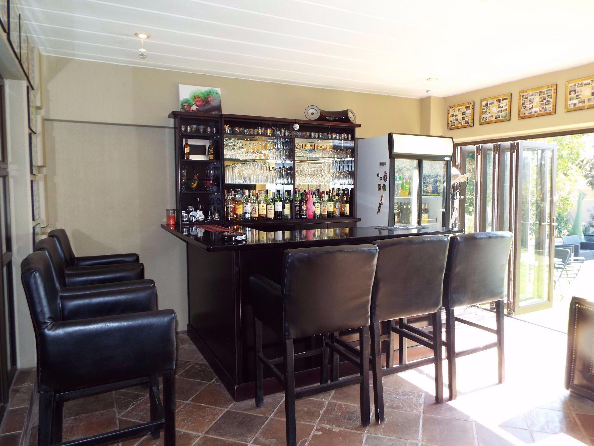 Douglasdale property to rent. Ref No: 13509526. Picture no 9