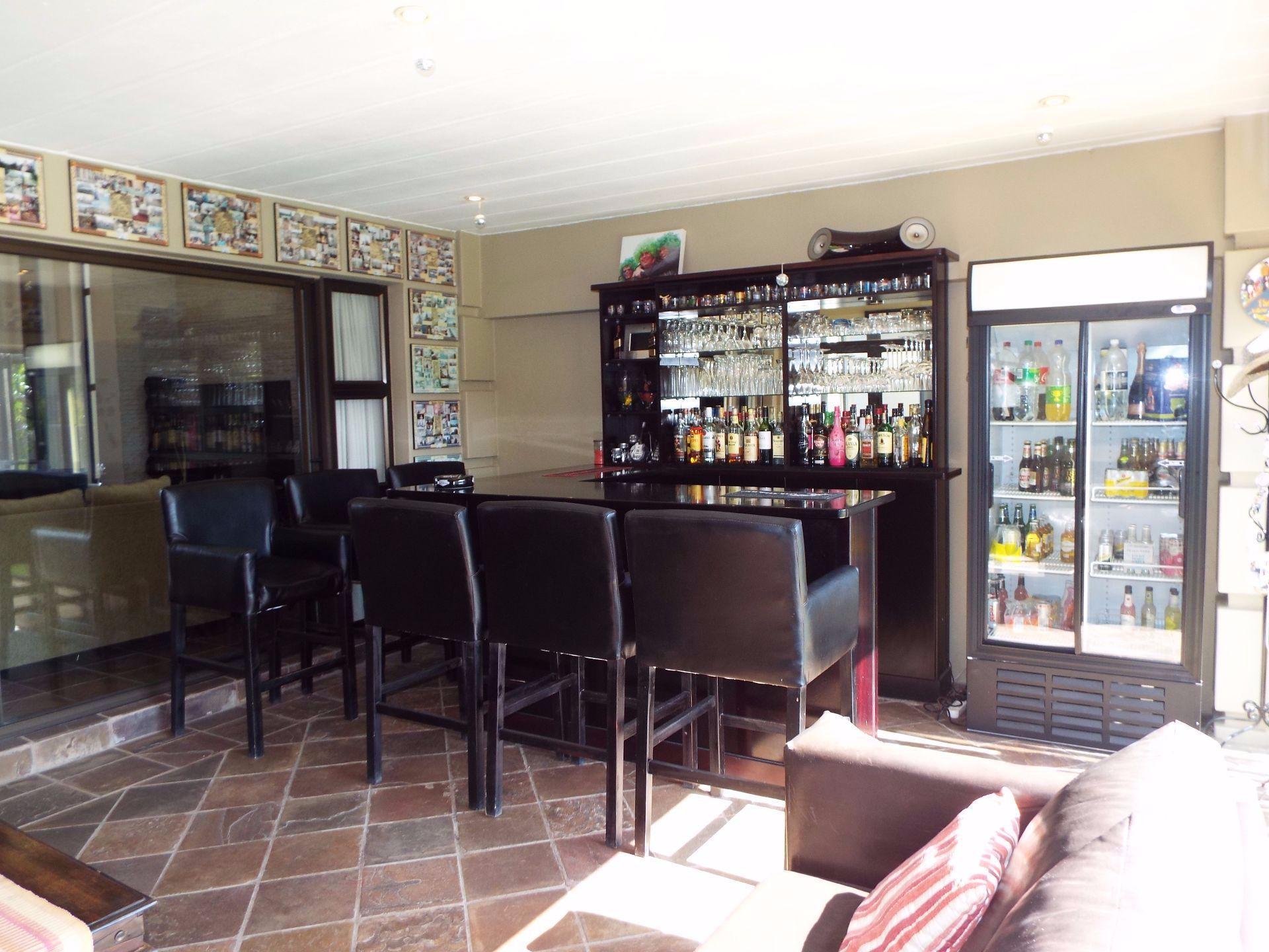 Douglasdale property to rent. Ref No: 13509526. Picture no 10