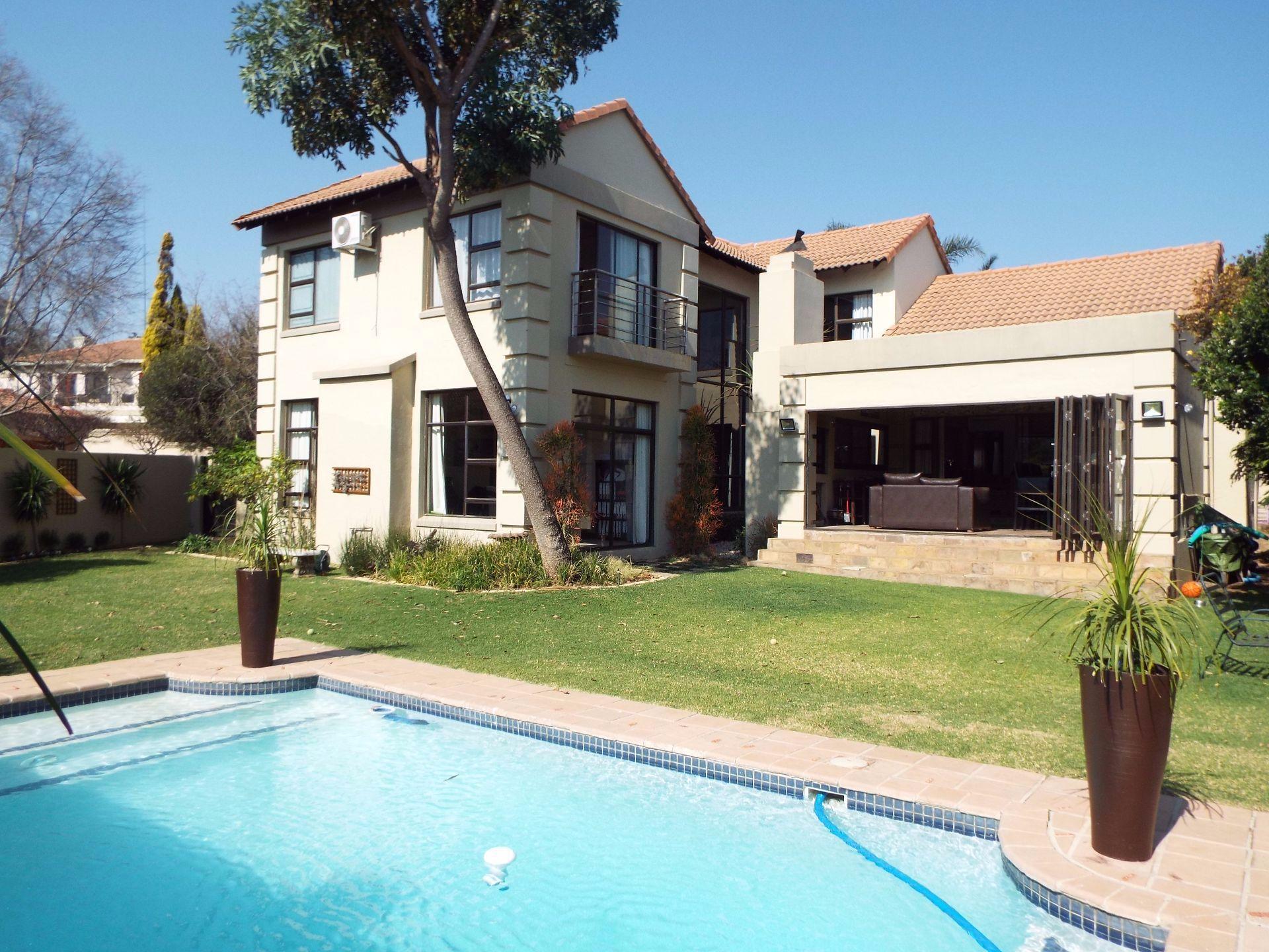 Douglasdale property to rent. Ref No: 13509526. Picture no 19