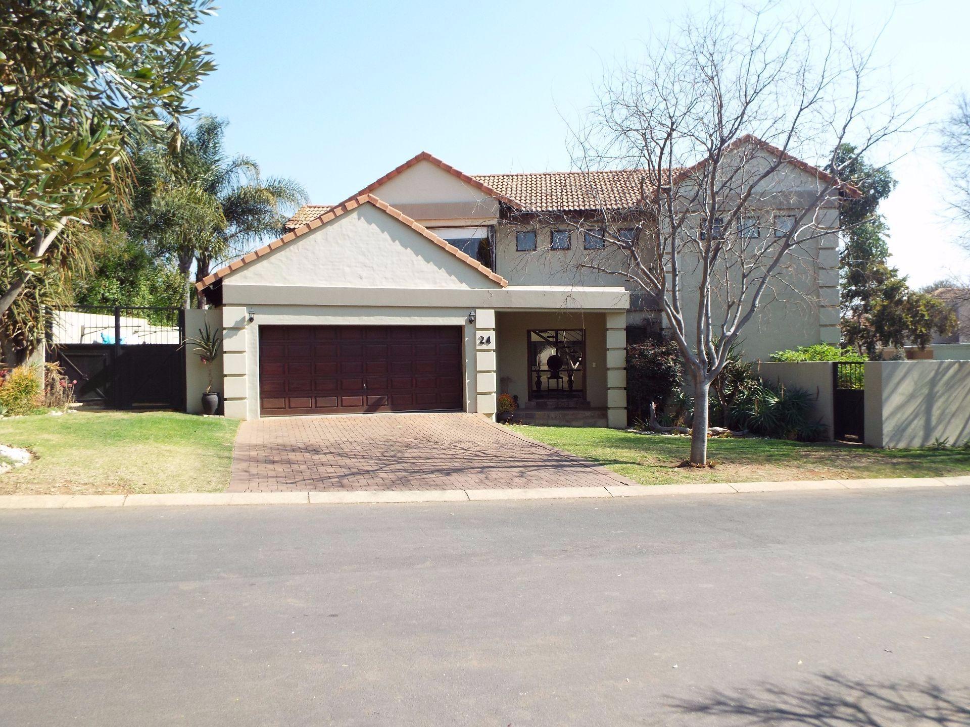 Douglasdale property to rent. Ref No: 13509526. Picture no 22