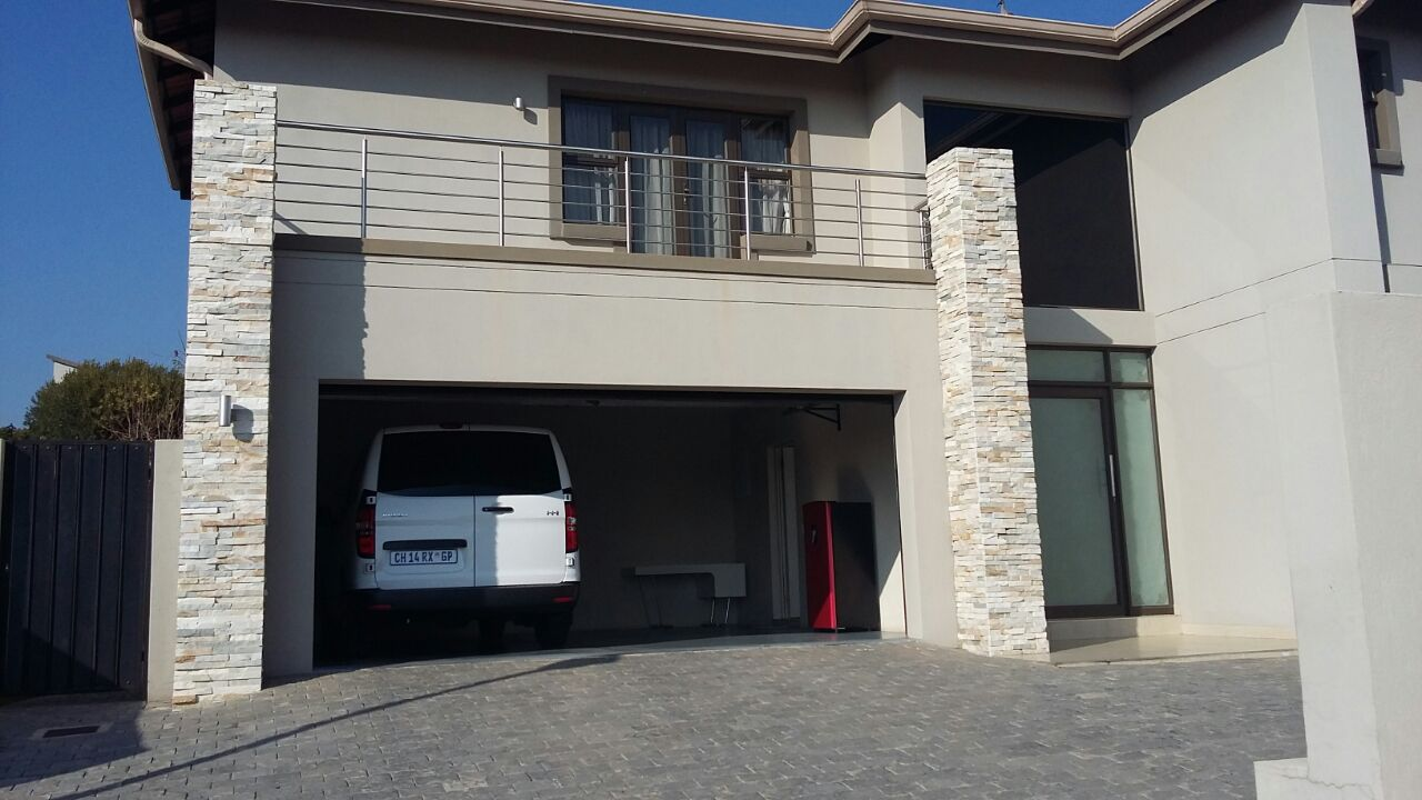 Randburg, Olivedale Property  | Houses To Rent Olivedale, OLIVEDALE, House 6 bedrooms property to rent Price:, 50,00*