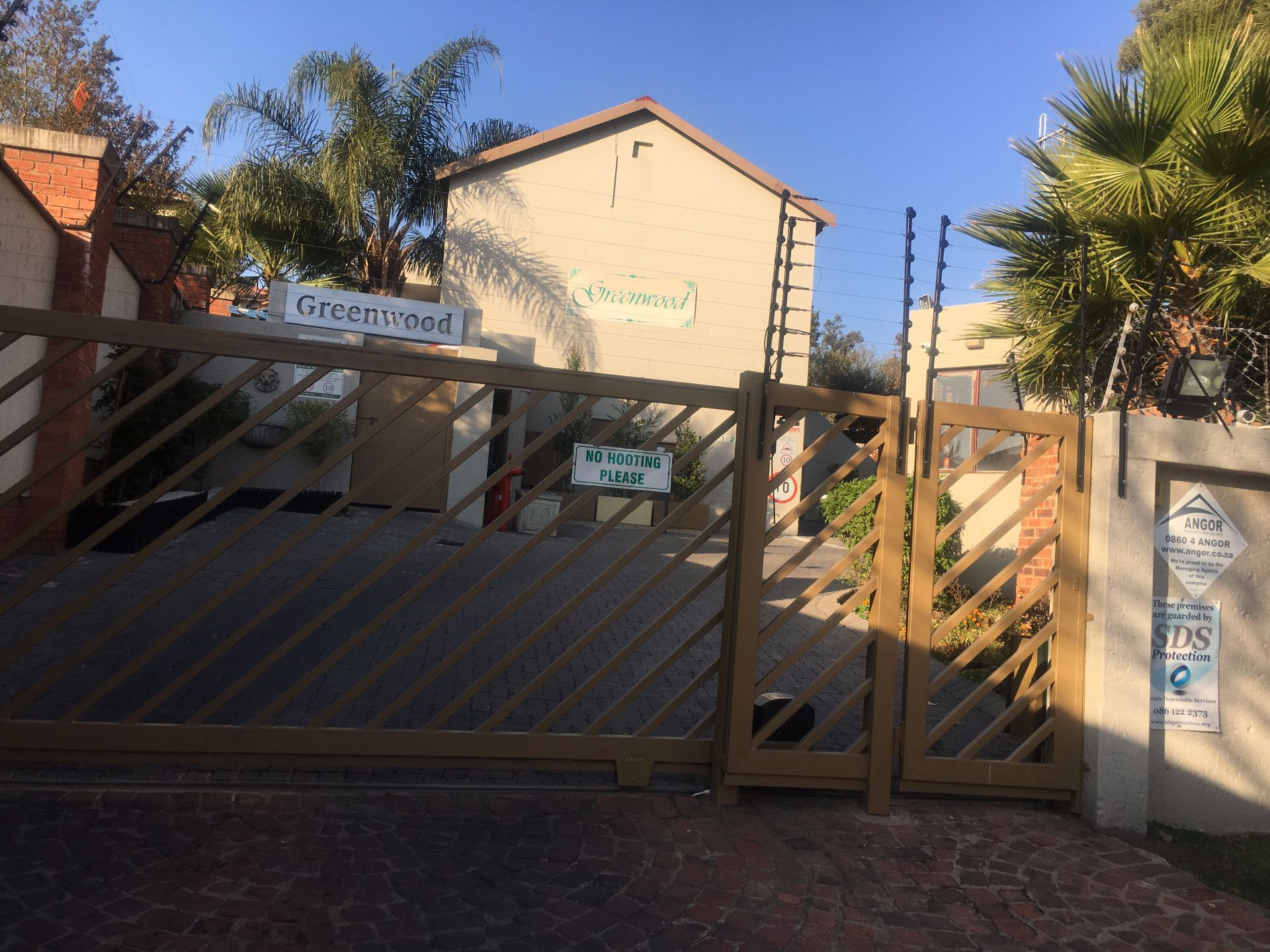 Sandton, Bryanston Ext 8 Property  | Houses For Sale Bryanston Ext 8, BRYANSTON Ext 8, Duplex 3 bedrooms property for sale Price:1,200,000