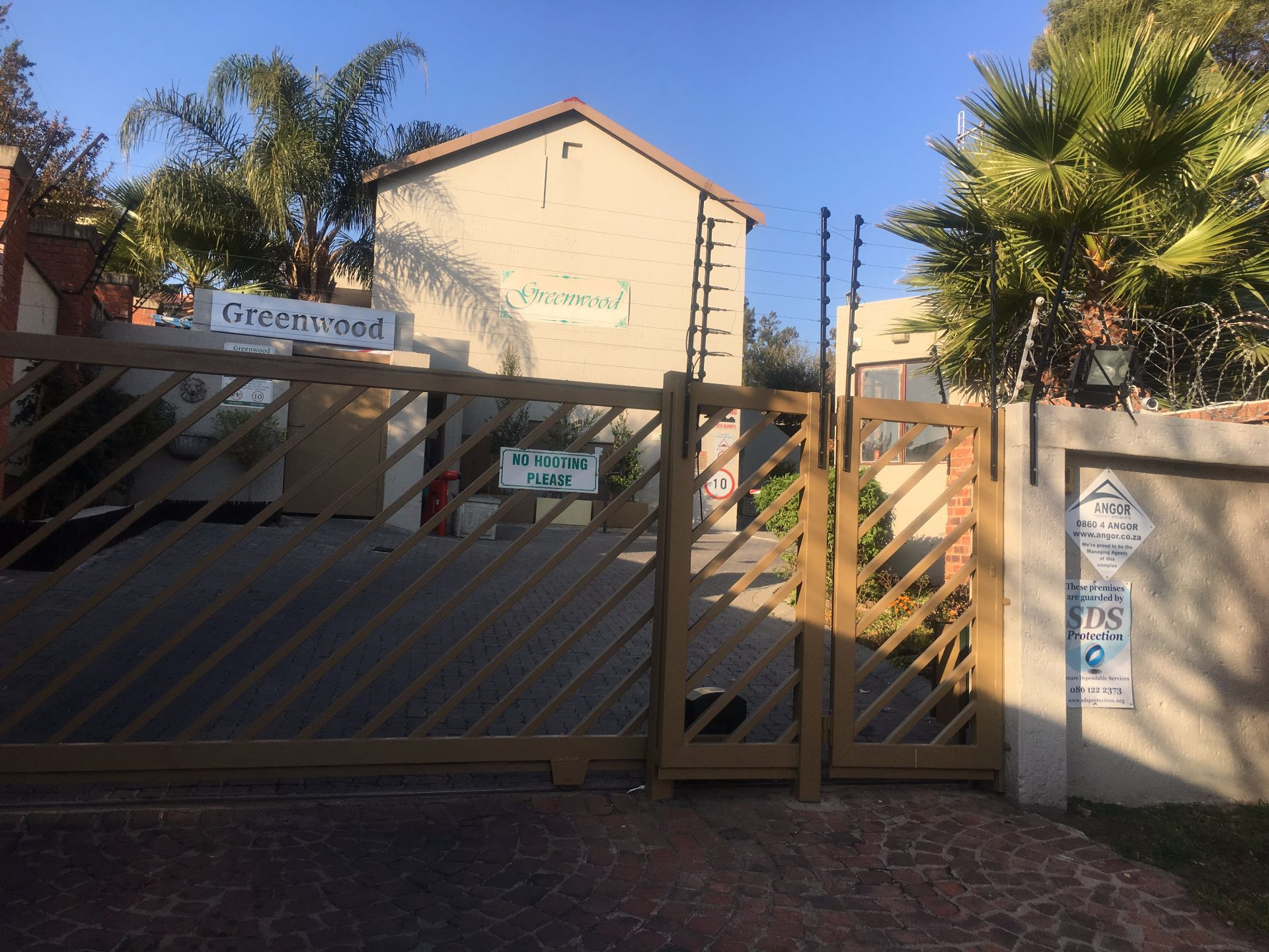 Sandton, Bryanston Ext 8 Property  | Houses For Sale Bryanston Ext 8, BRYANSTON Ext 8, Cluster 2 bedrooms property for sale Price:930,000