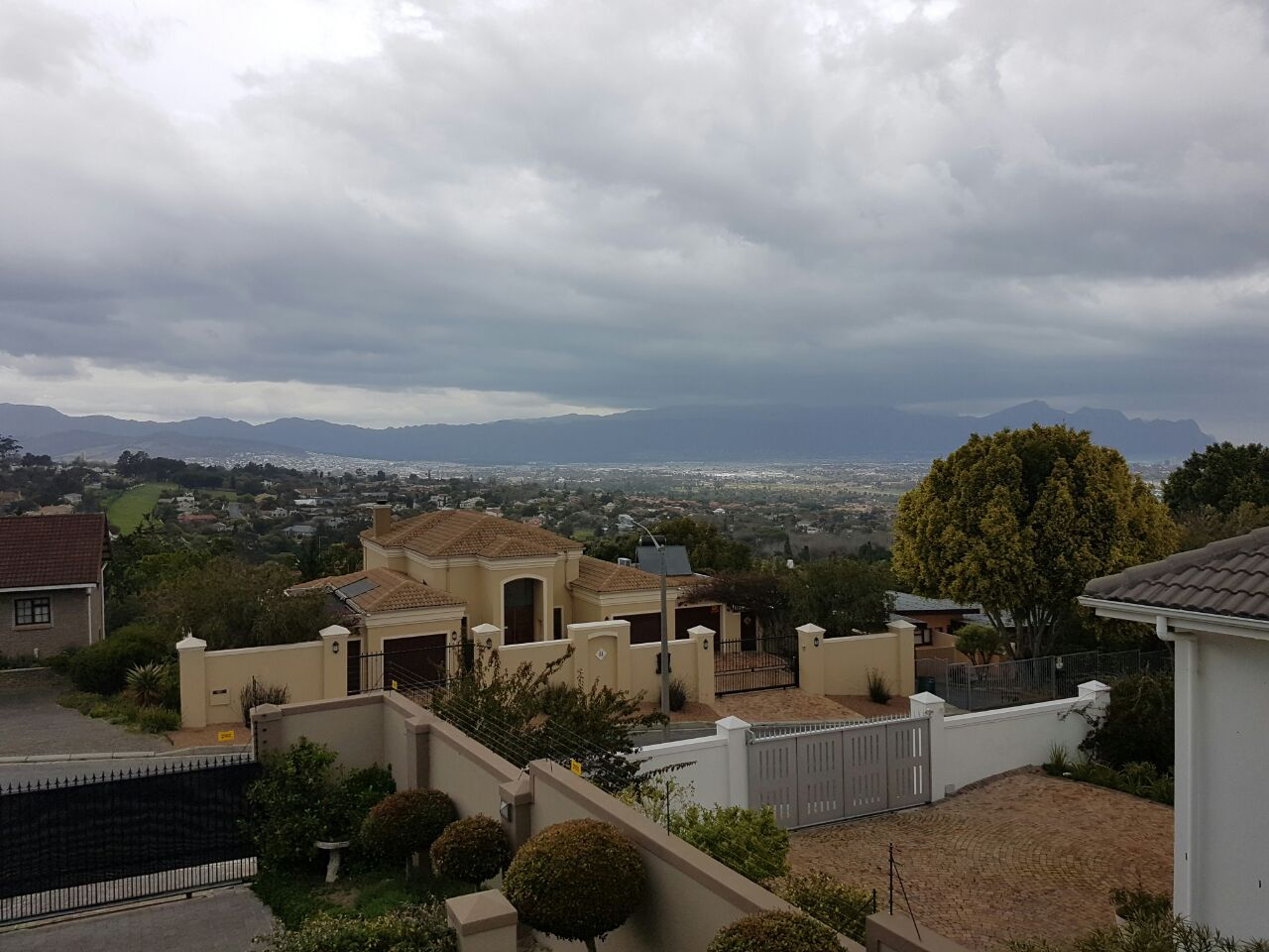 Property and Houses for sale in Somerset West (All), House, 5 Bedrooms - ZAR 6,450,000