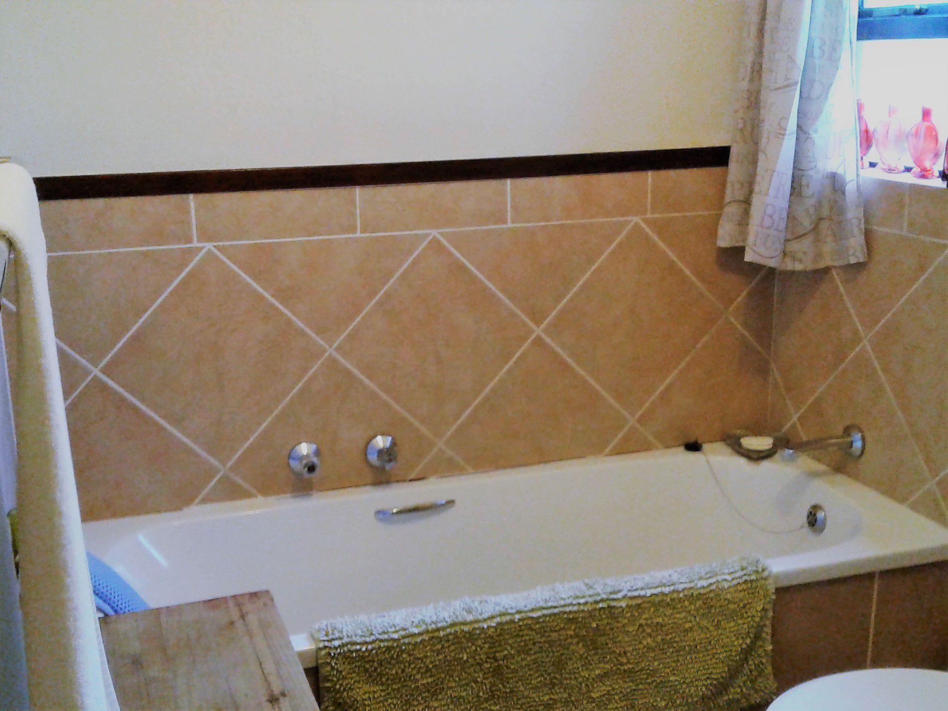 Bathroom resize2.jpg