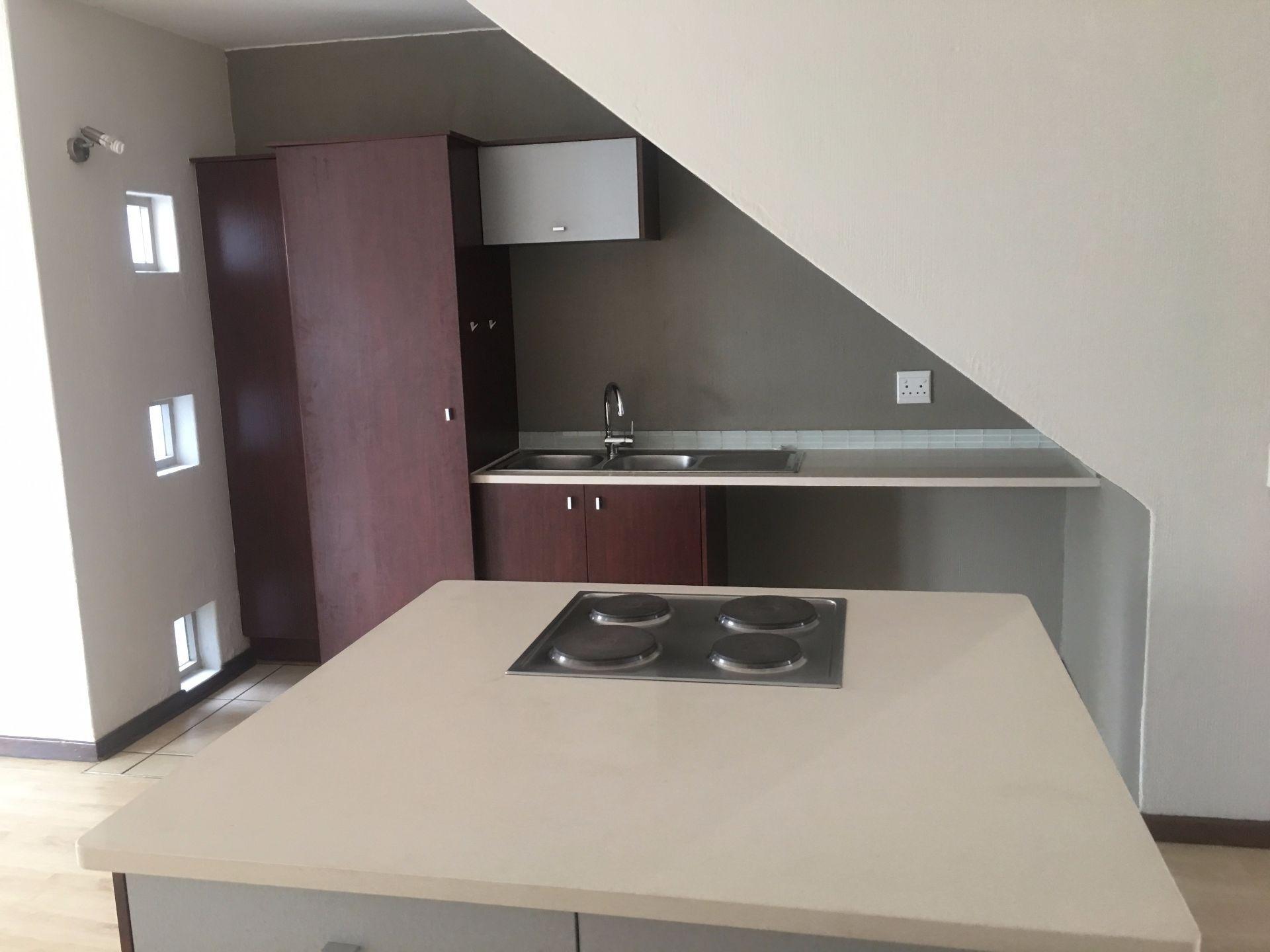 Broadacres property for sale. Ref No: 13529583. Picture no 4