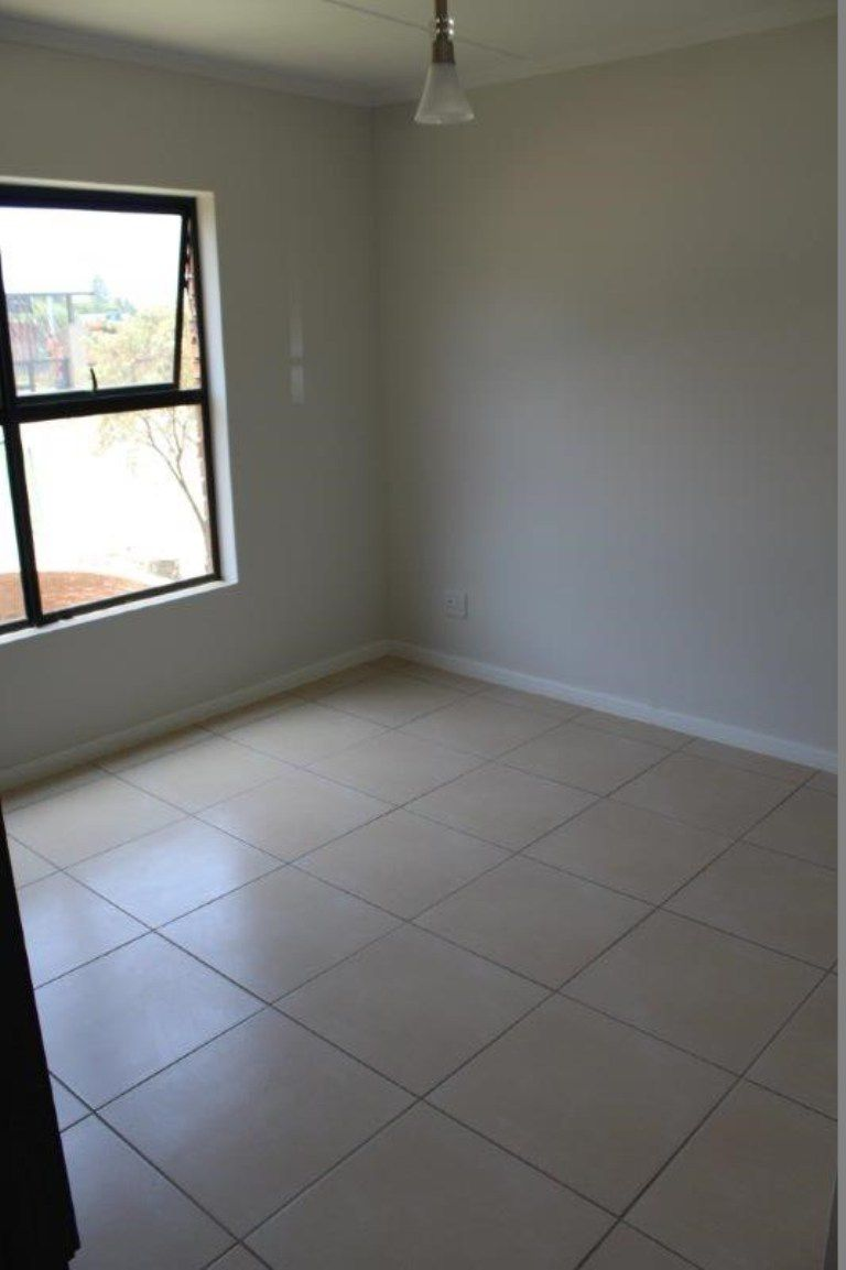 Olivedale property to rent. Ref No: 13537406. Picture no 7