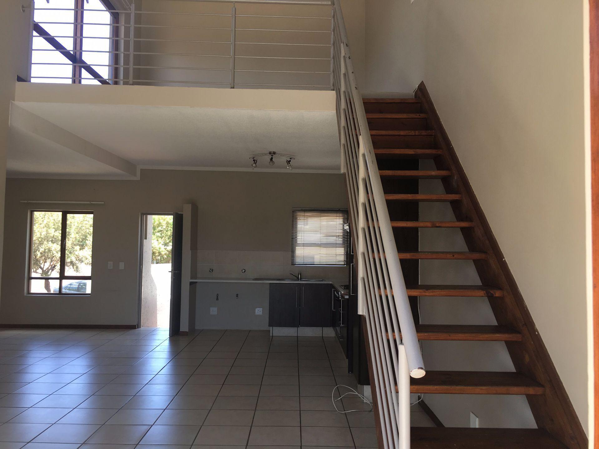 Broadacres property for sale. Ref No: 13552745. Picture no 4
