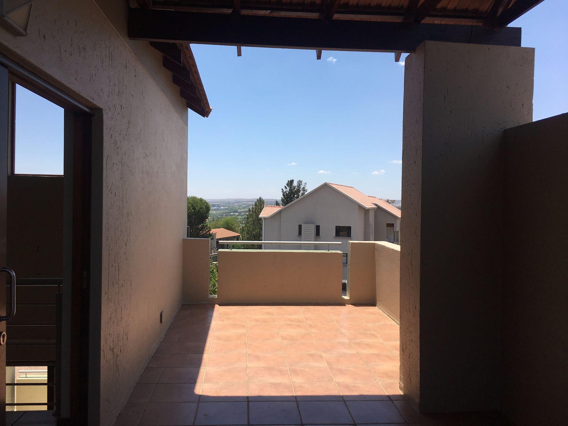 Broadacres property for sale. Ref No: 13552745. Picture no 6