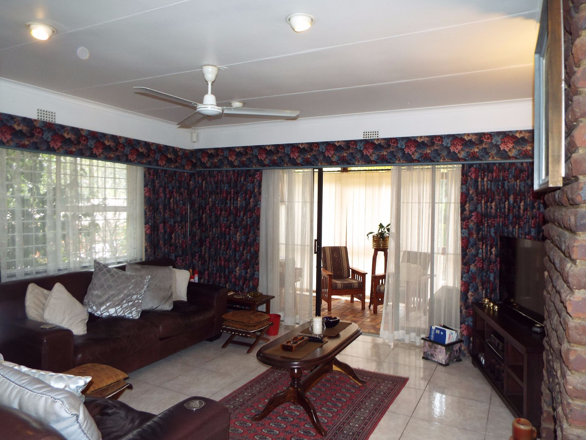Moret property for sale. Ref No: 13555493. Picture no 3