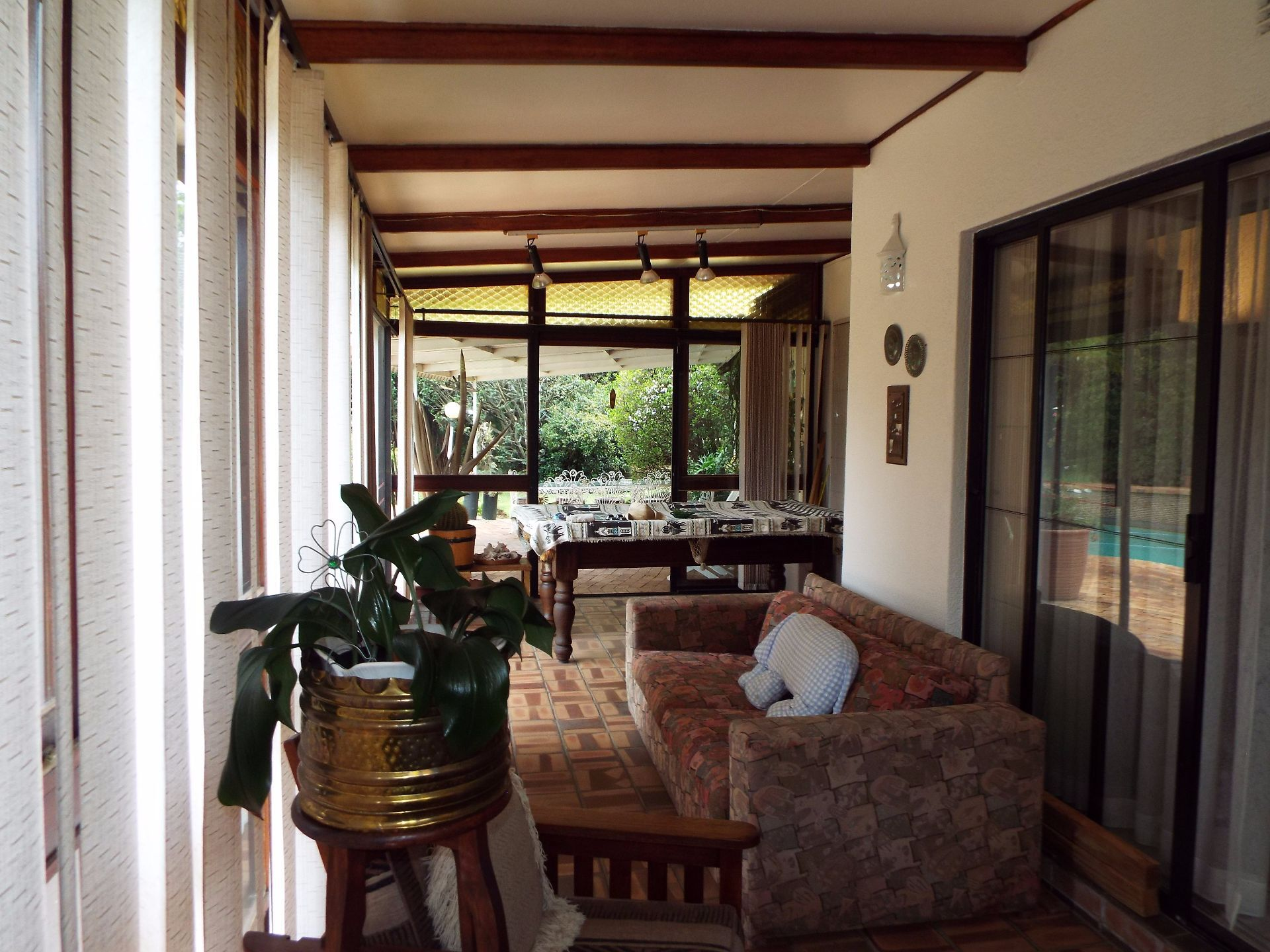 Moret property for sale. Ref No: 13555493. Picture no 6