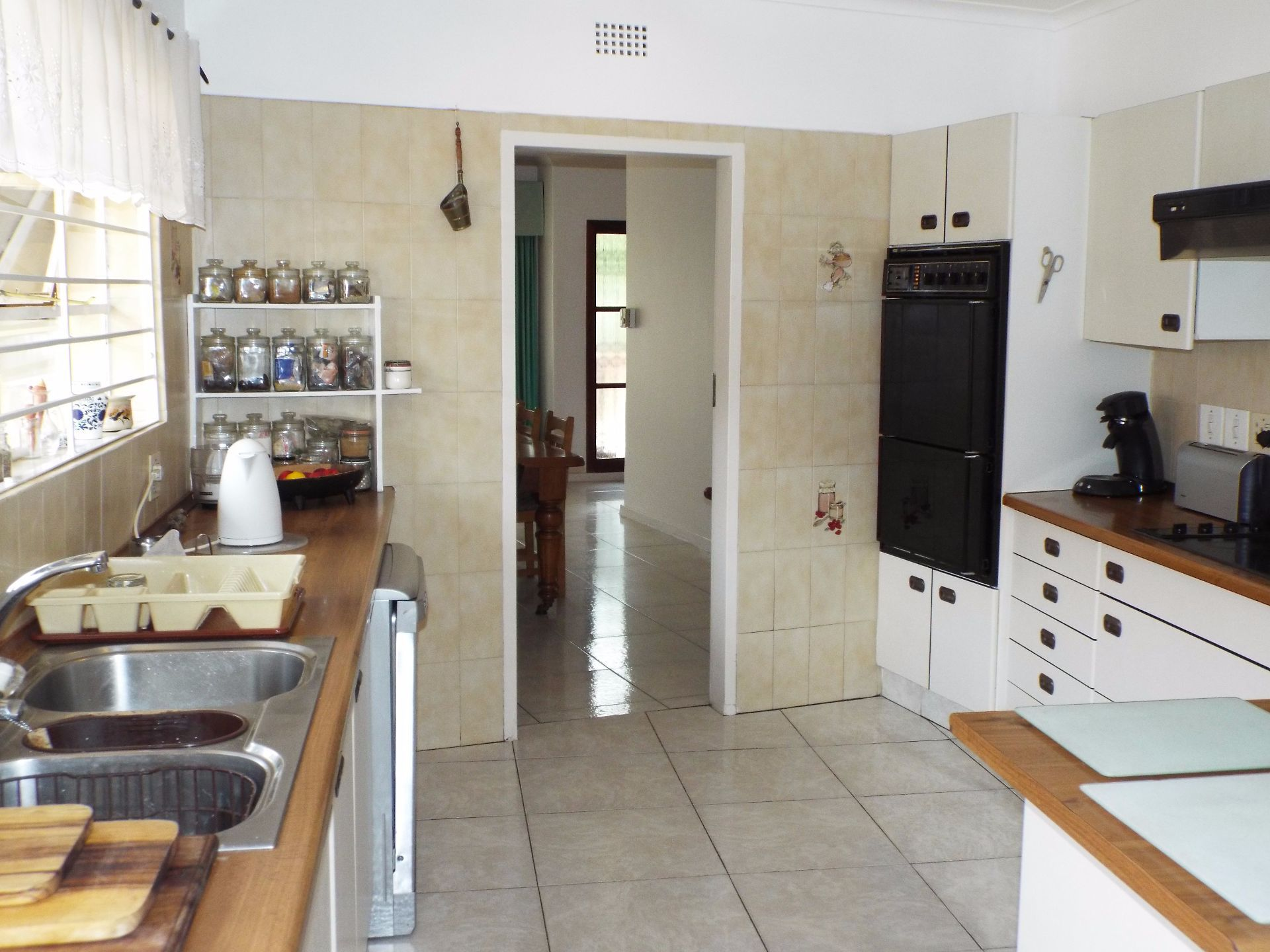 Moret property for sale. Ref No: 13555493. Picture no 15
