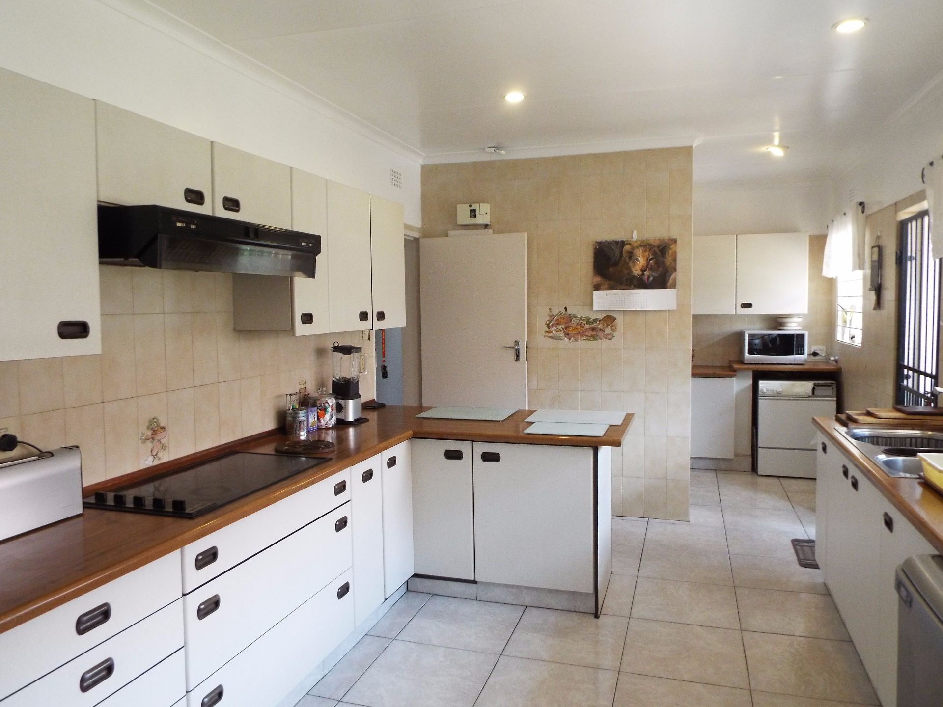 Moret property for sale. Ref No: 13555493. Picture no 18
