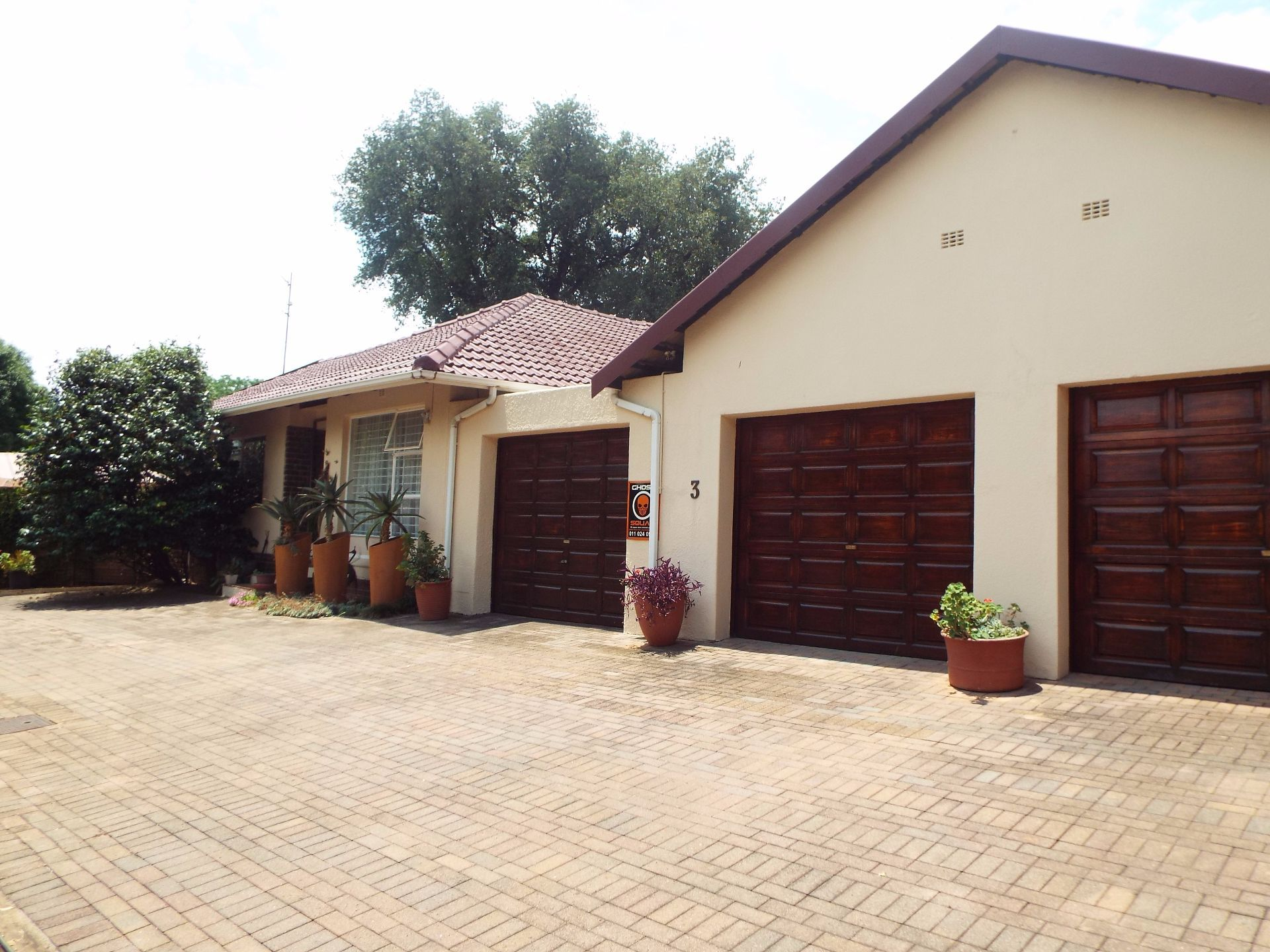 Moret property for sale. Ref No: 13555493. Picture no 1