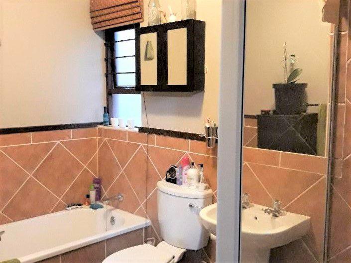 45 Inyati - bathroom.jpg