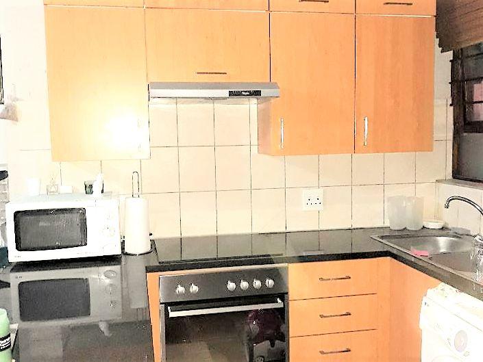 45 Inyati - kitchen.png