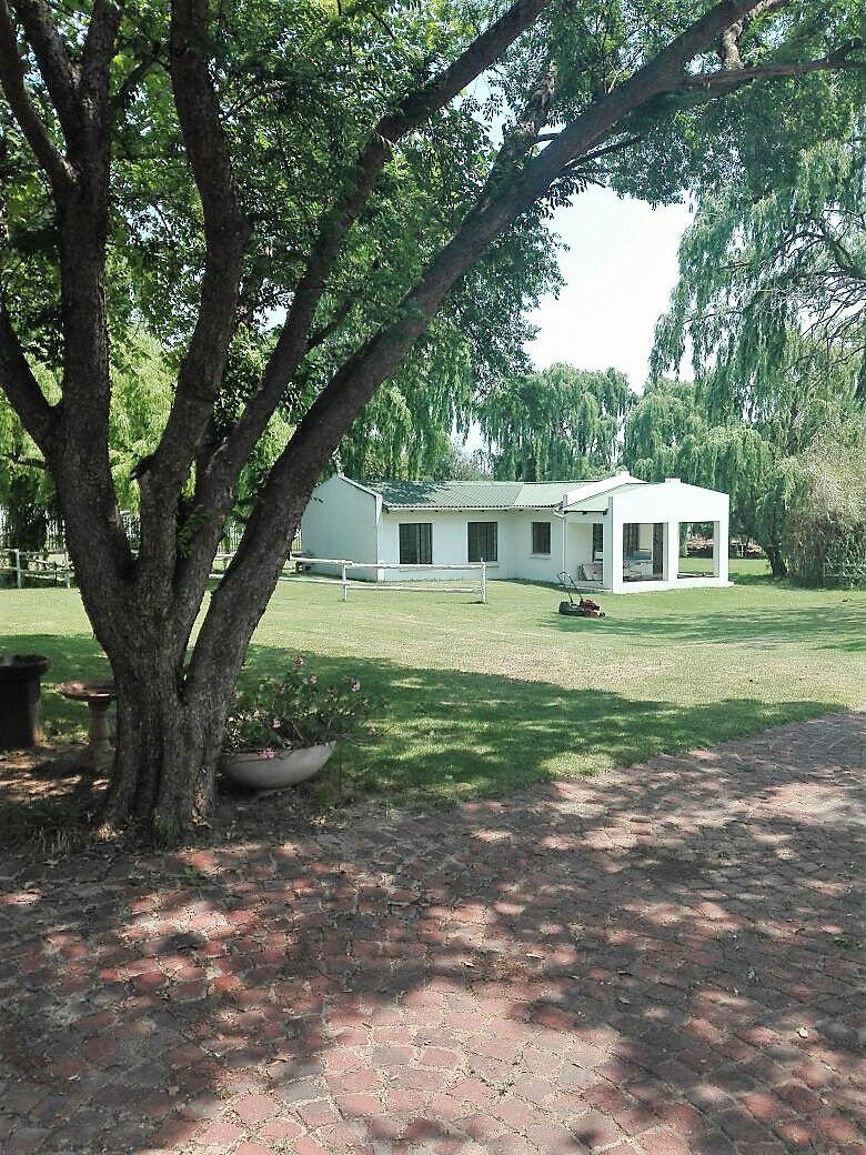 36 Pitzer Rd, Glen Austin, Midrand -  Cottage nr 2.jpg