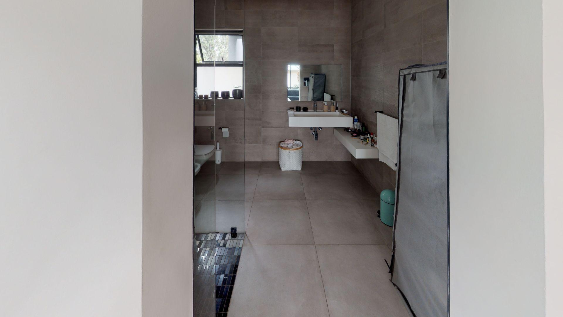28-Cleveland-Road-Bathroom(4).jpg