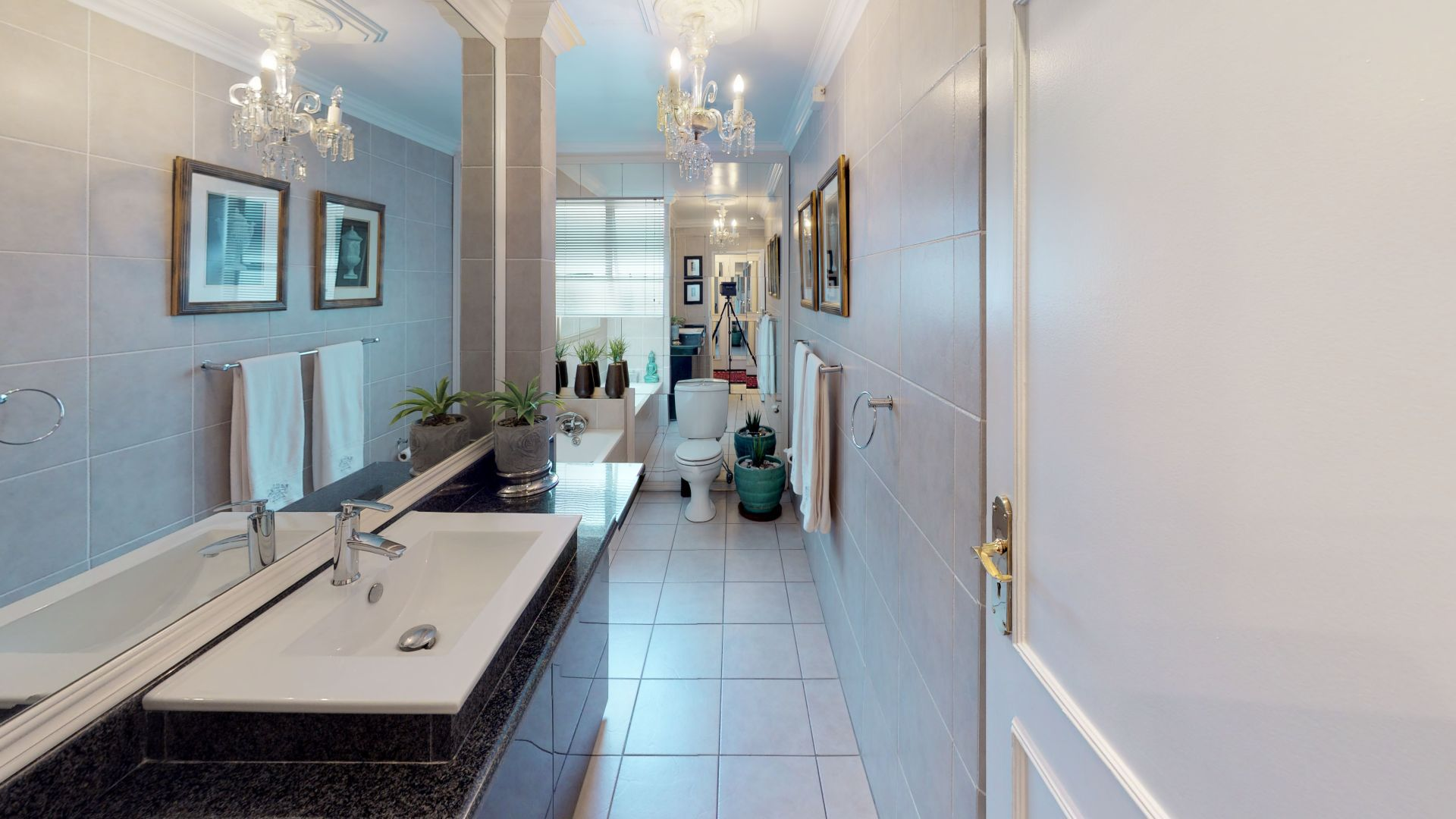 6-Lymington-Mews-Bathroom.jpg