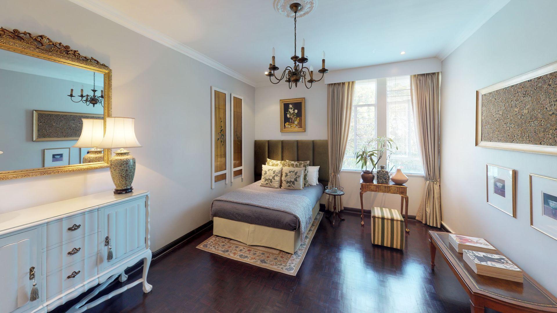 6-Lymington-Mews-Bedroom(2).jpg