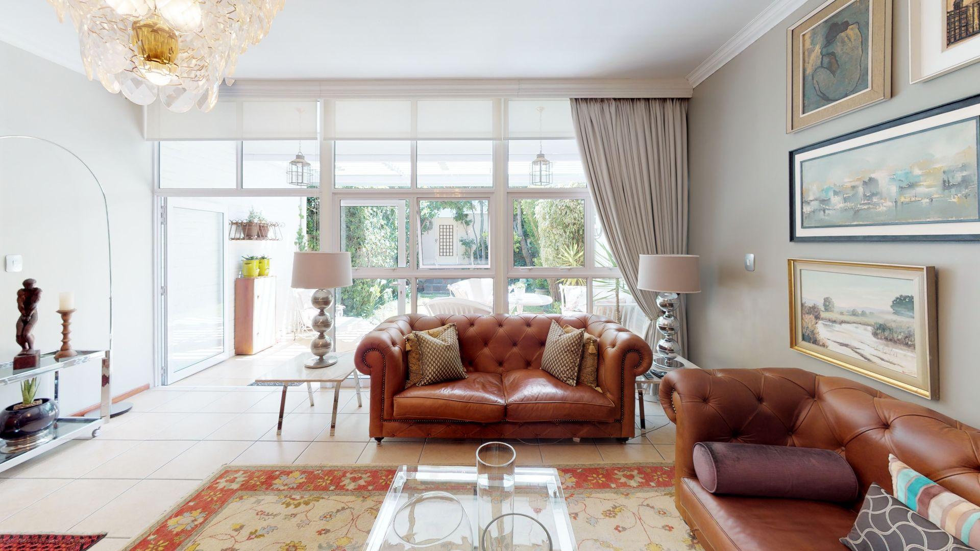 6-Lymington-Mews-Living-Room(1).jpg