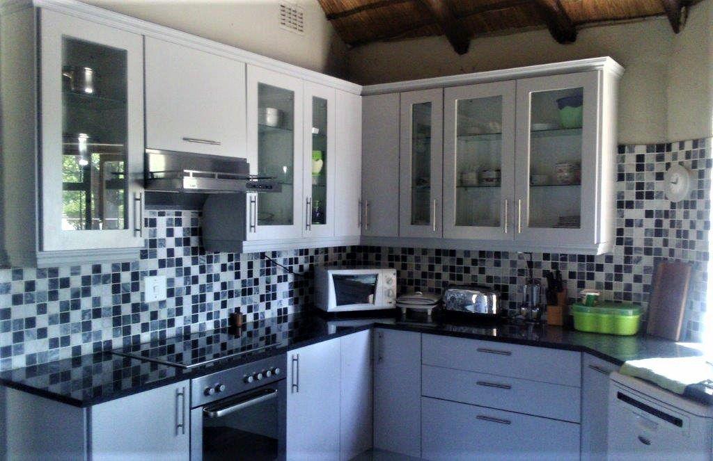 Main house kitchen (2).jpg