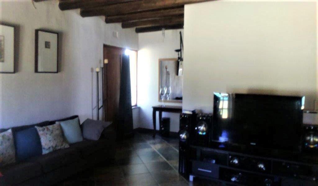 Main house sitting room (2).jpg