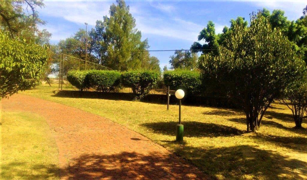 Tennis court (2).jpg