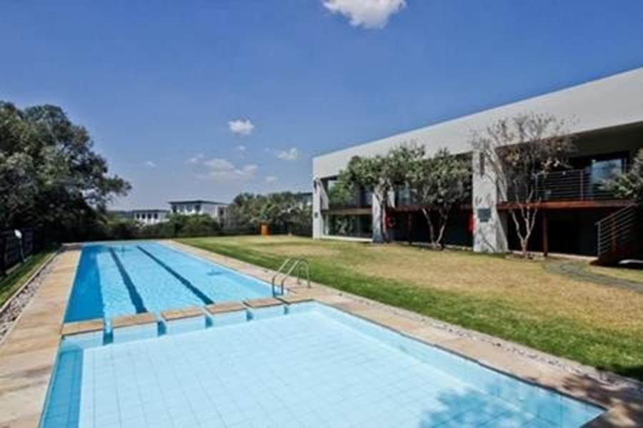 Beverely swimming pool.jpg