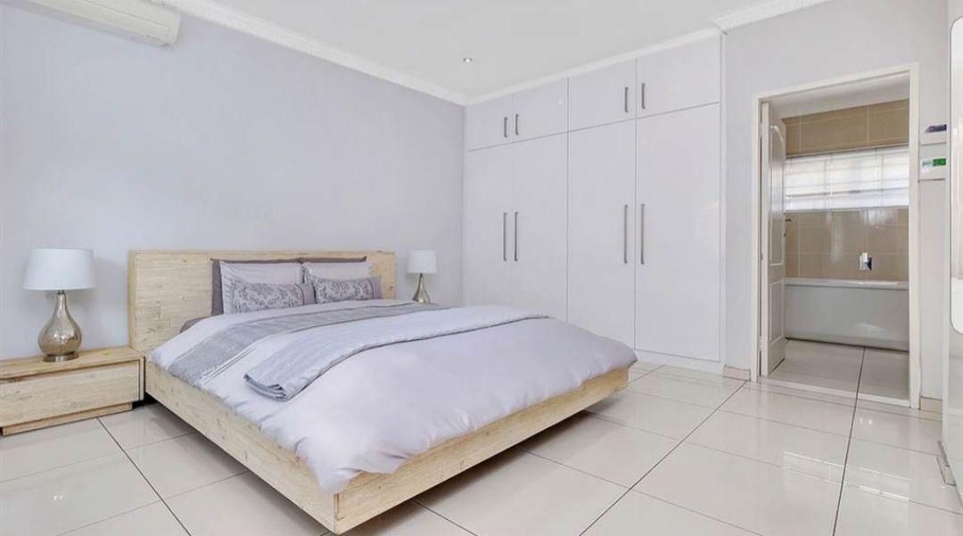 Witkoppen main bedroom.jpg
