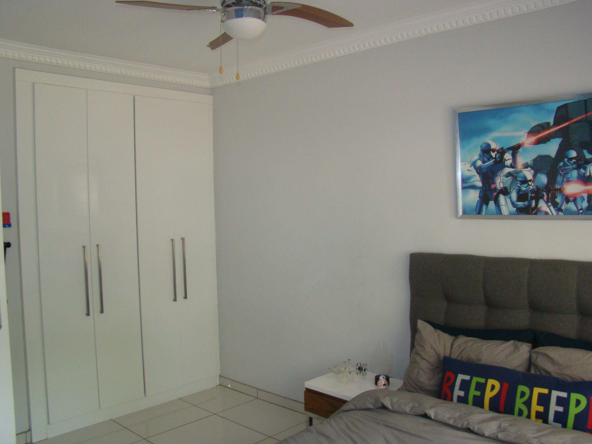 Witkoppen 2nd bedroom.JPG