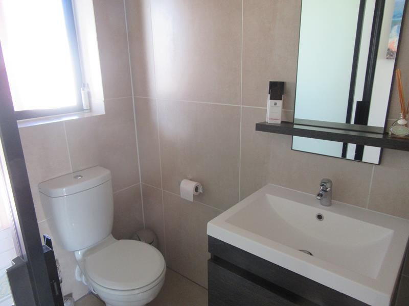 Bathroom (Copy).JPG