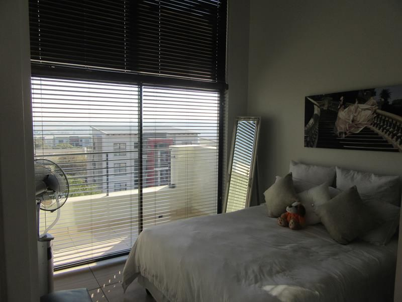 Bedroom (Copy).JPG